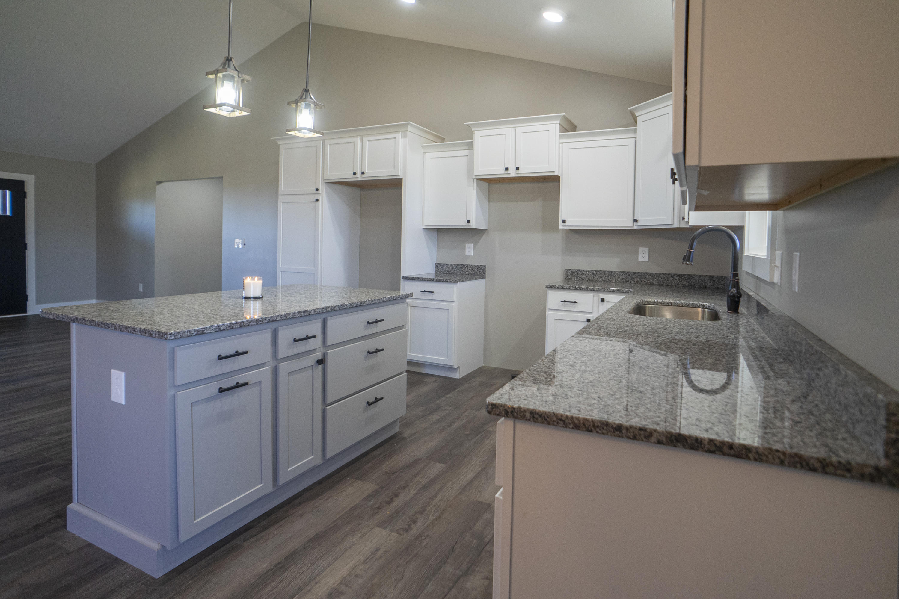 1519 Rosewood Dr Drive Preview Image 4