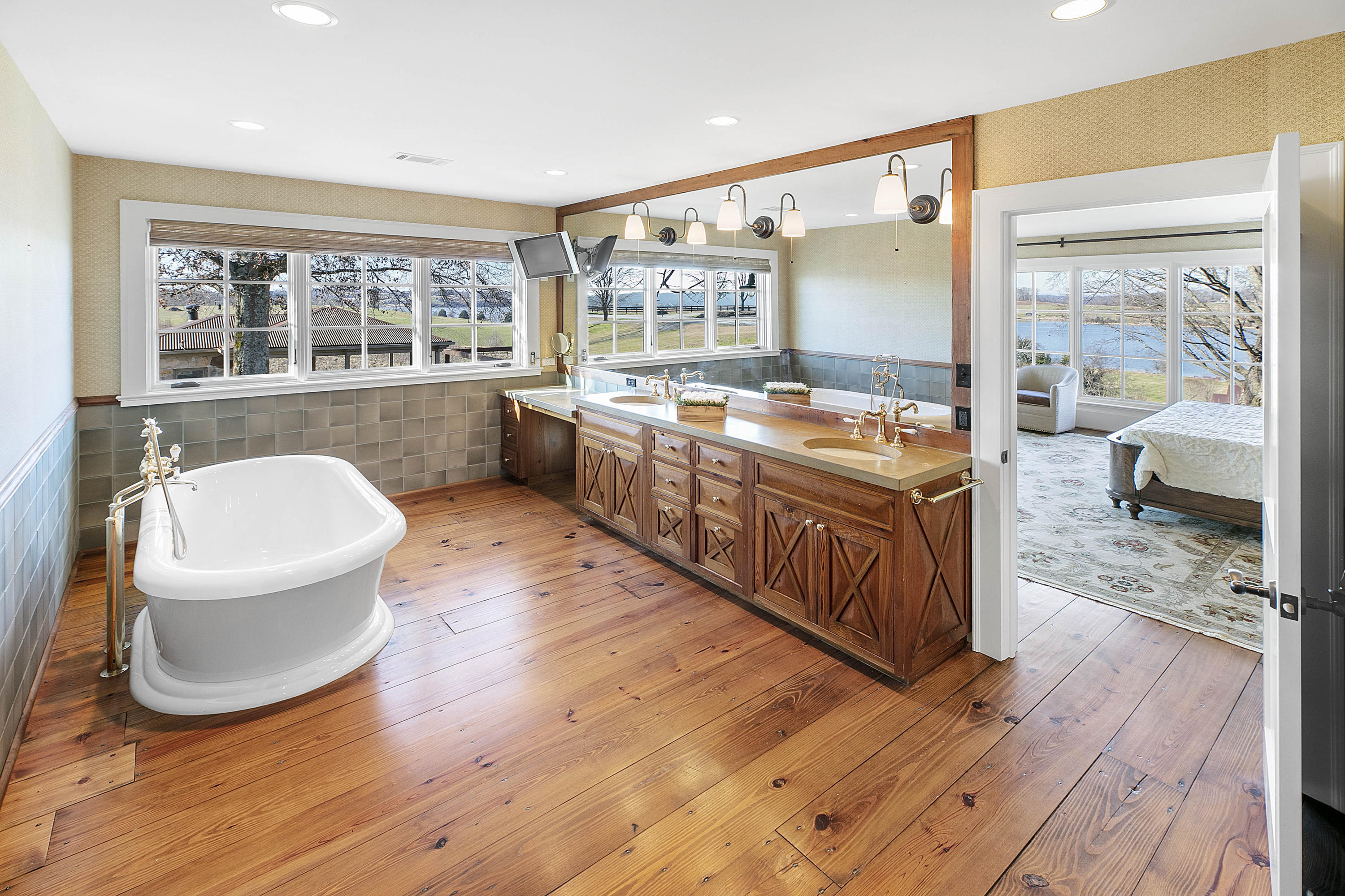 3646 Lowes Ferry Rd: