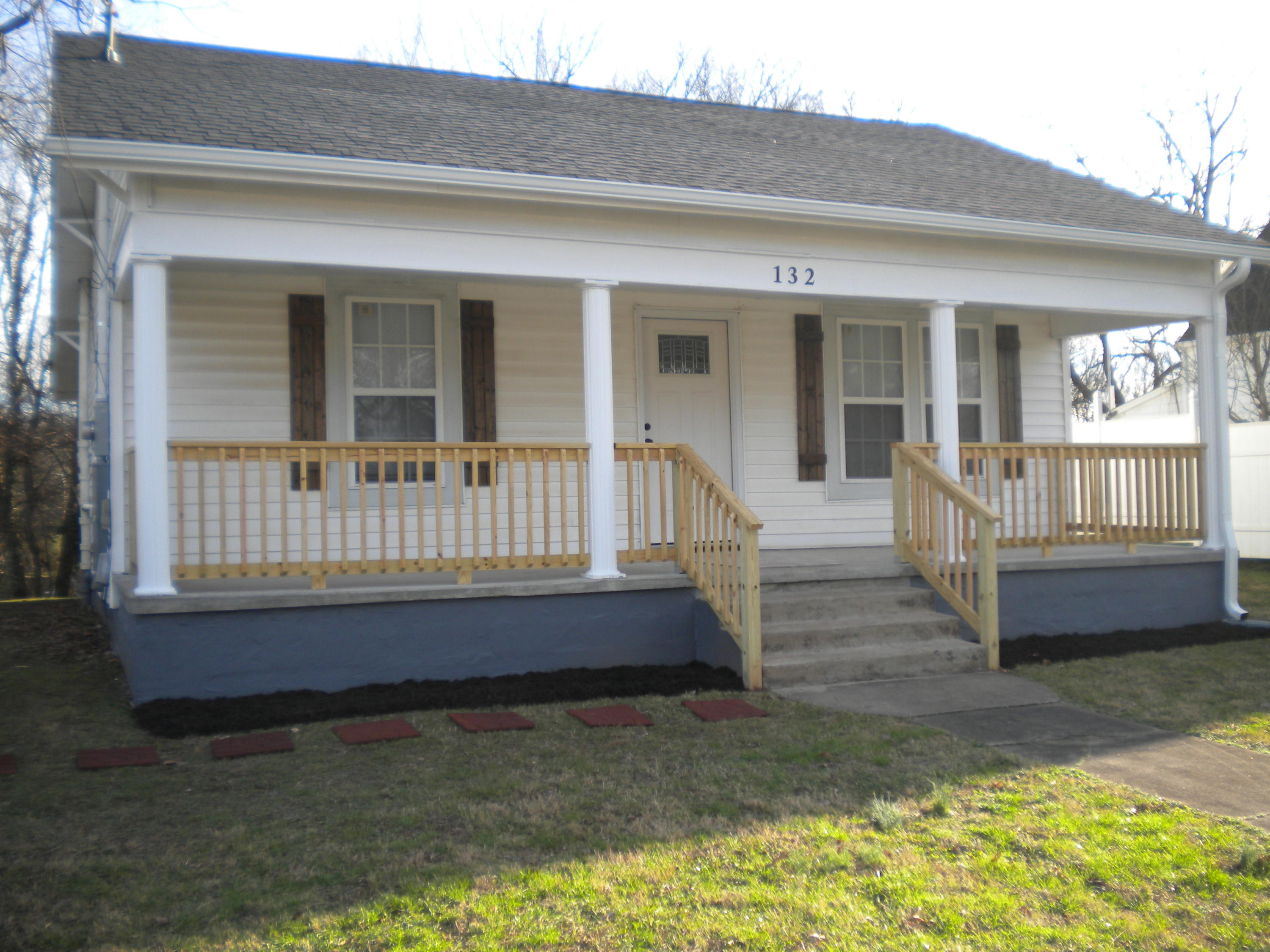 132 Moody Ave, Knoxville, Tennessee 37920, 2 Bedrooms Bedrooms, ,1 BathroomBathrooms,Single Family,For Sale,Moody,1105337