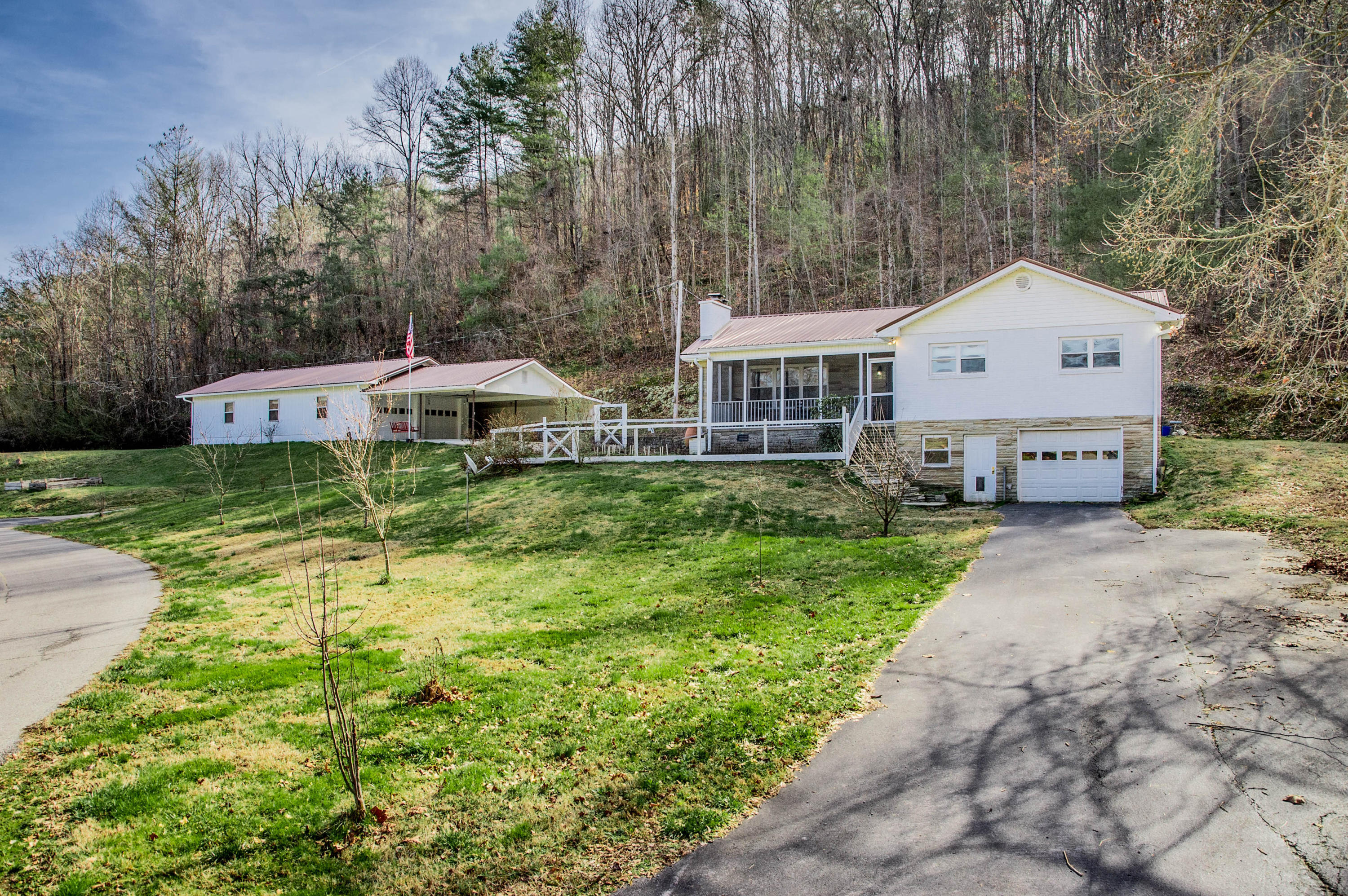 541 Riggs Chapel, Harriman, Tennessee, United States 37748, 3 Bedrooms Bedrooms, ,2 BathroomsBathrooms,Single Family,For Sale,Riggs Chapel,1105371