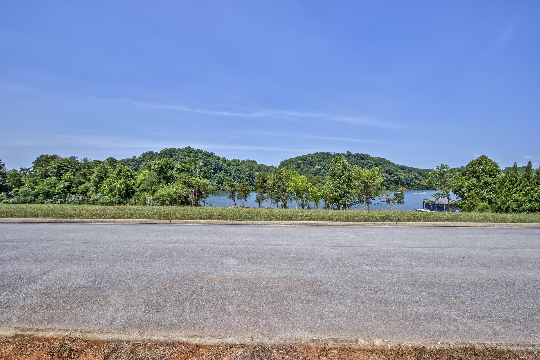 230 Bay Pointe Drive: