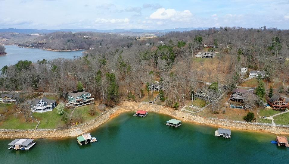 103 Cedar Creek Point: