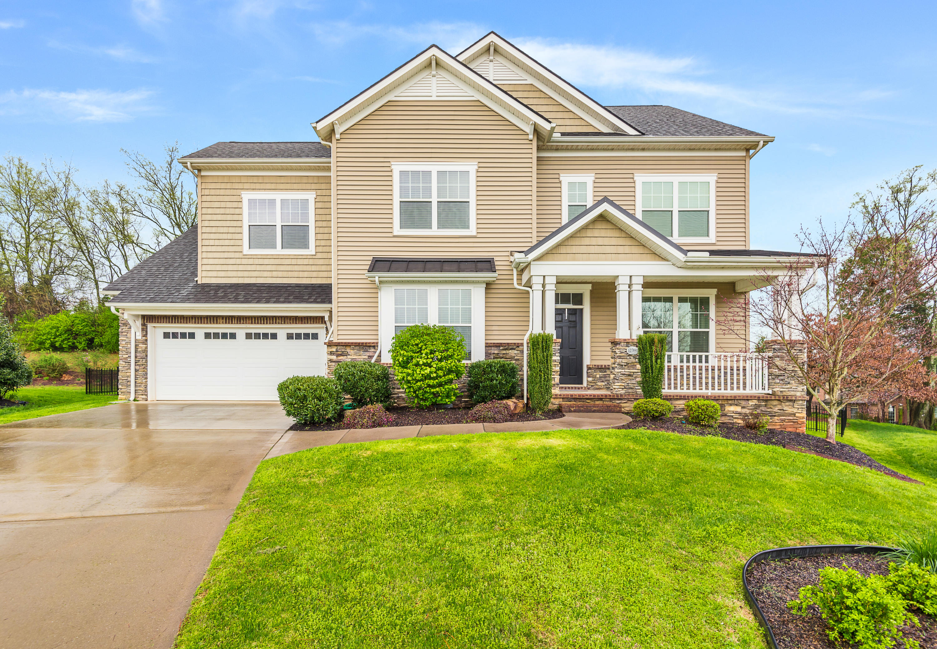 12700 Saddle, Knoxville, Tennessee, United States 37922, 4 Bedrooms Bedrooms, ,3 BathroomsBathrooms,Single Family,For Sale,Saddle,1112415