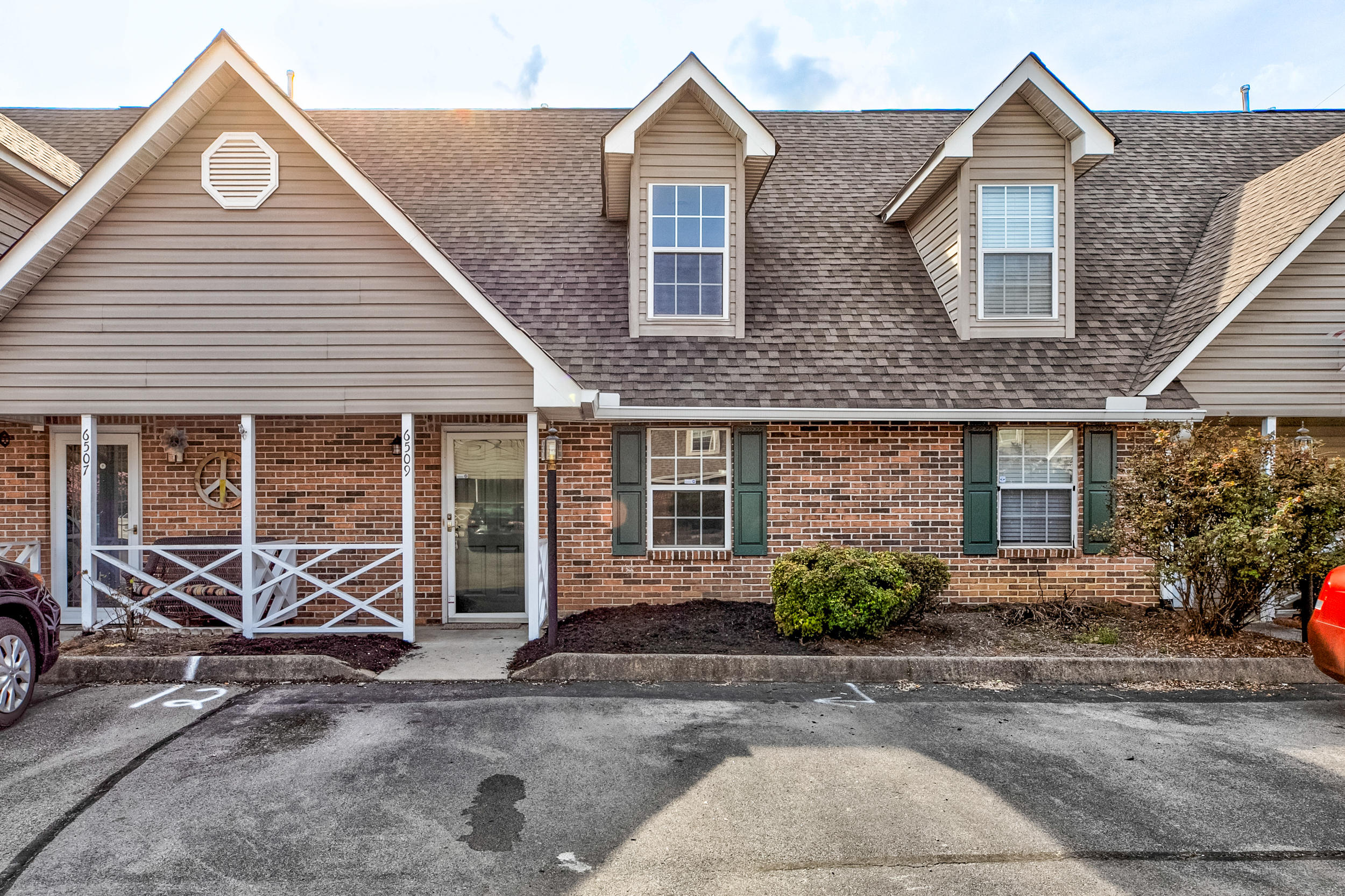 6509 Doe Creek, Knoxville, Tennessee, United States 37918, 2 Bedrooms Bedrooms, ,2 BathroomsBathrooms,Single Family,For Sale,Doe Creek,1112469