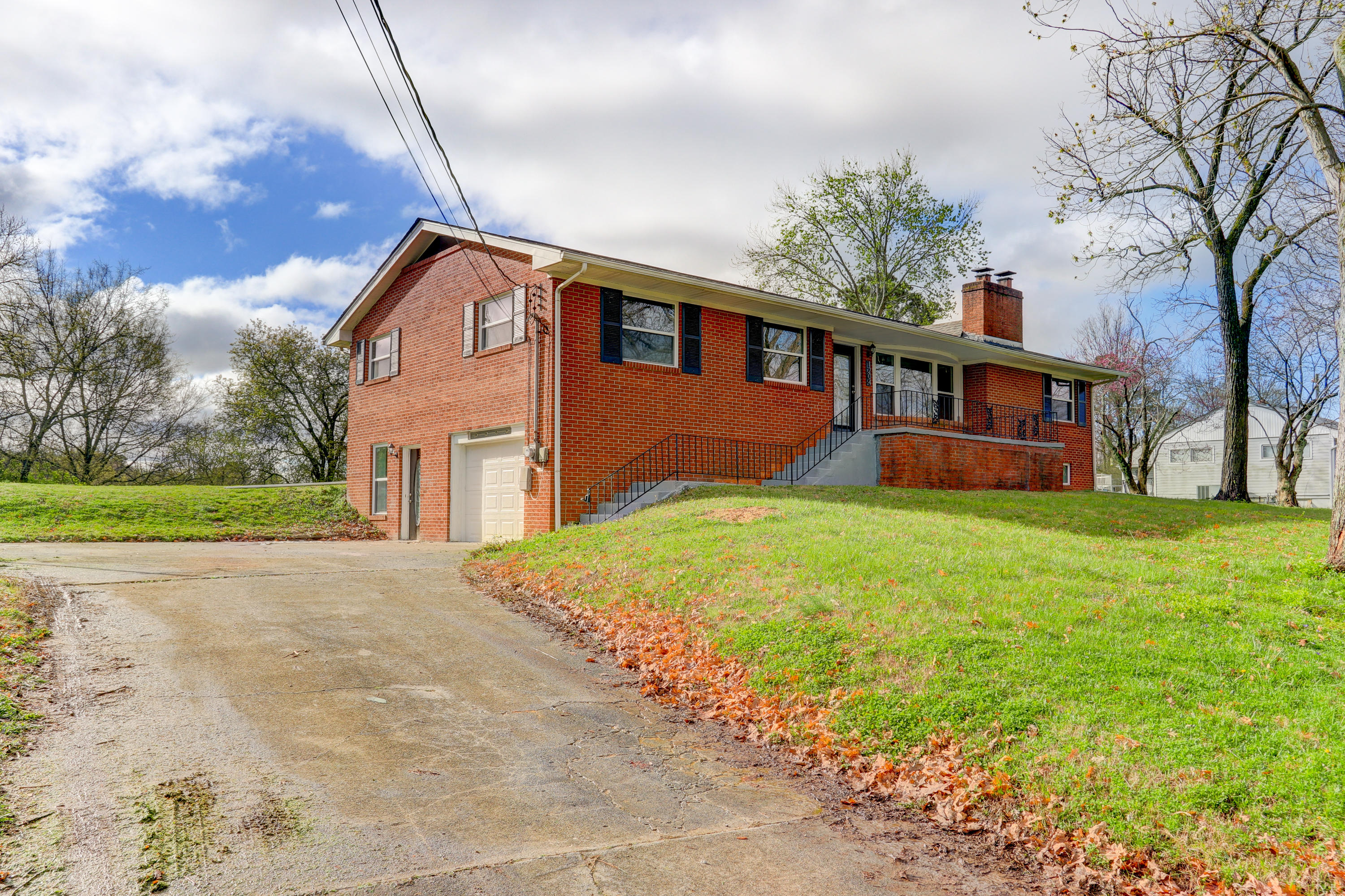 1204 Britton, Knoxville, Tennessee, United States 37912, 4 Bedrooms Bedrooms, ,3 BathroomsBathrooms,Single Family,For Sale,Britton,1112494