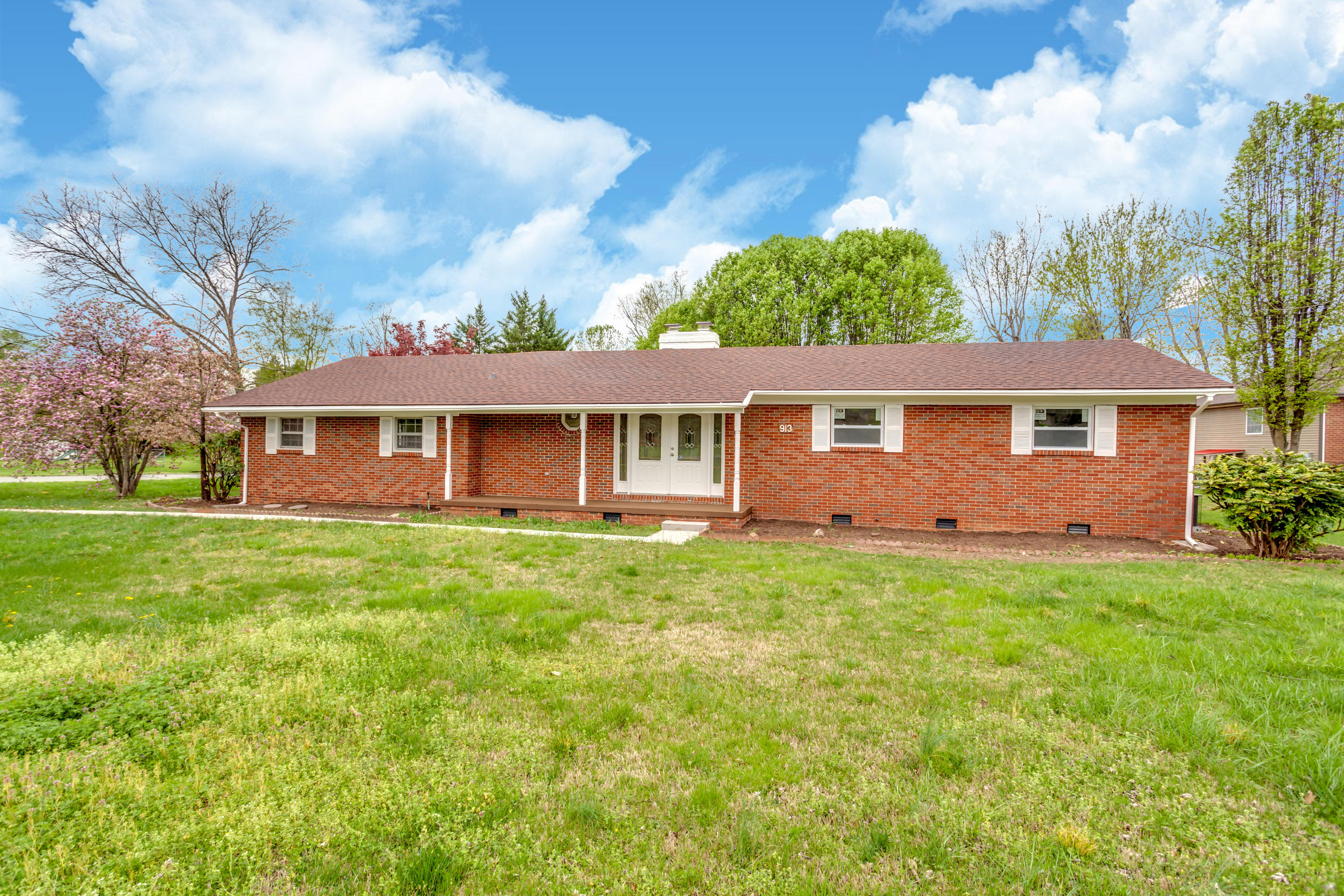 913 Beaver Creek, Powell, Tennessee, United States 37849, 3 Bedrooms Bedrooms, ,2 BathroomsBathrooms,Single Family,For Sale,Beaver Creek,1112785