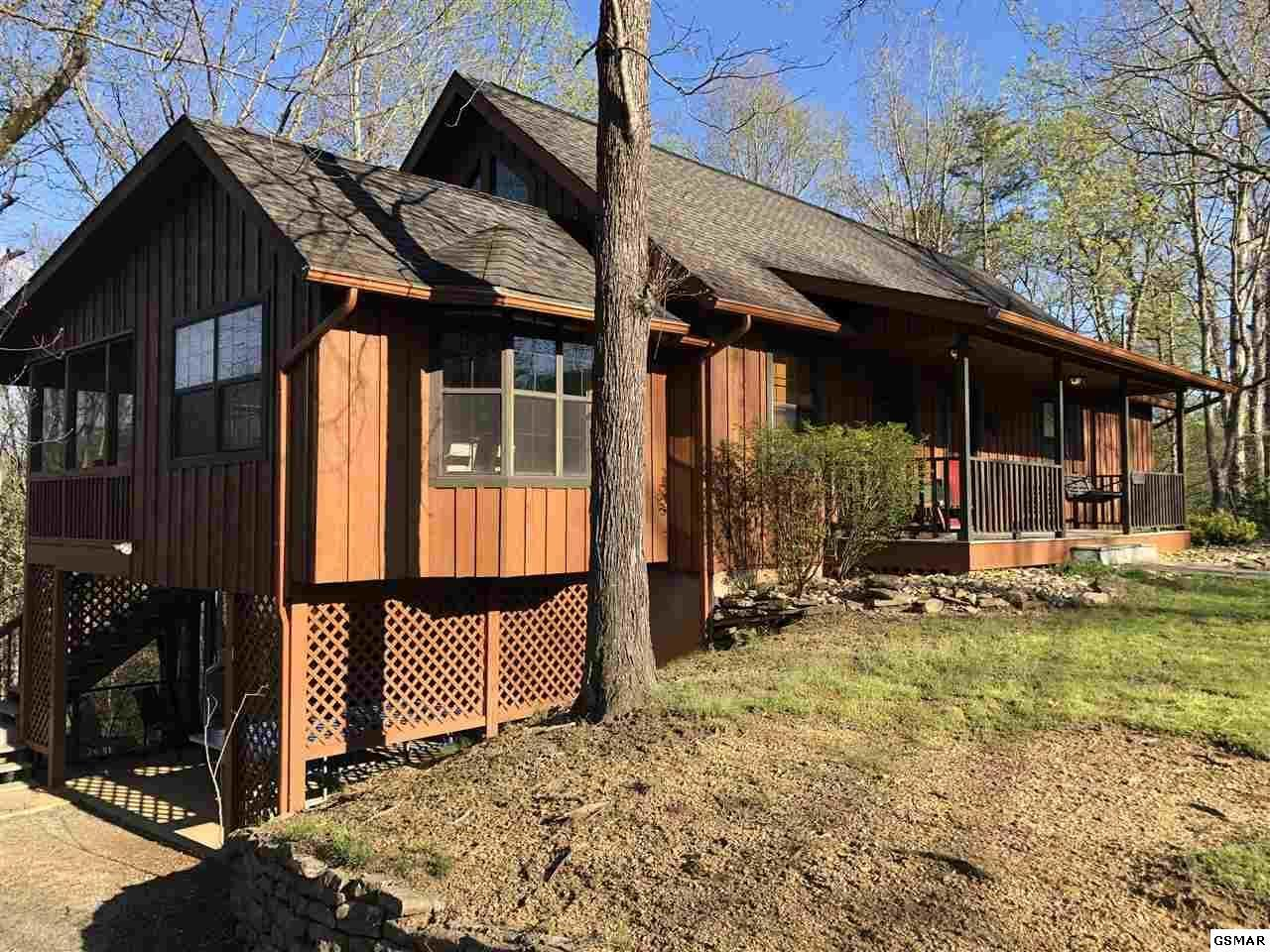 629 Country Oaks Drive, Pigeon Forge, Tennessee 37863, 3 Bedrooms Bedrooms, ,5 BathroomsBathrooms,Single Family,For Sale,Country Oaks,1113142
