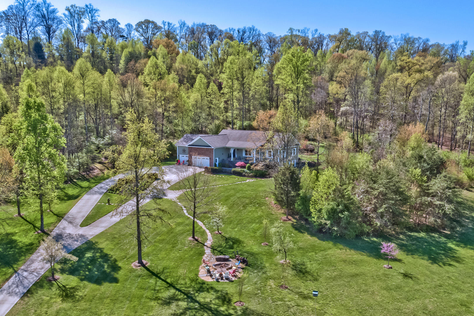 3153 Miser Station, Louisville, Tennessee, United States 37777, 4 Bedrooms Bedrooms, ,3 BathroomsBathrooms,Single Family,For Sale,Miser Station,1113494