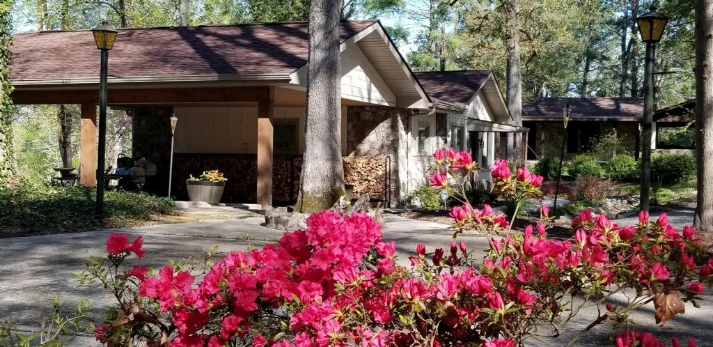 1165 Chula Vista Drive: