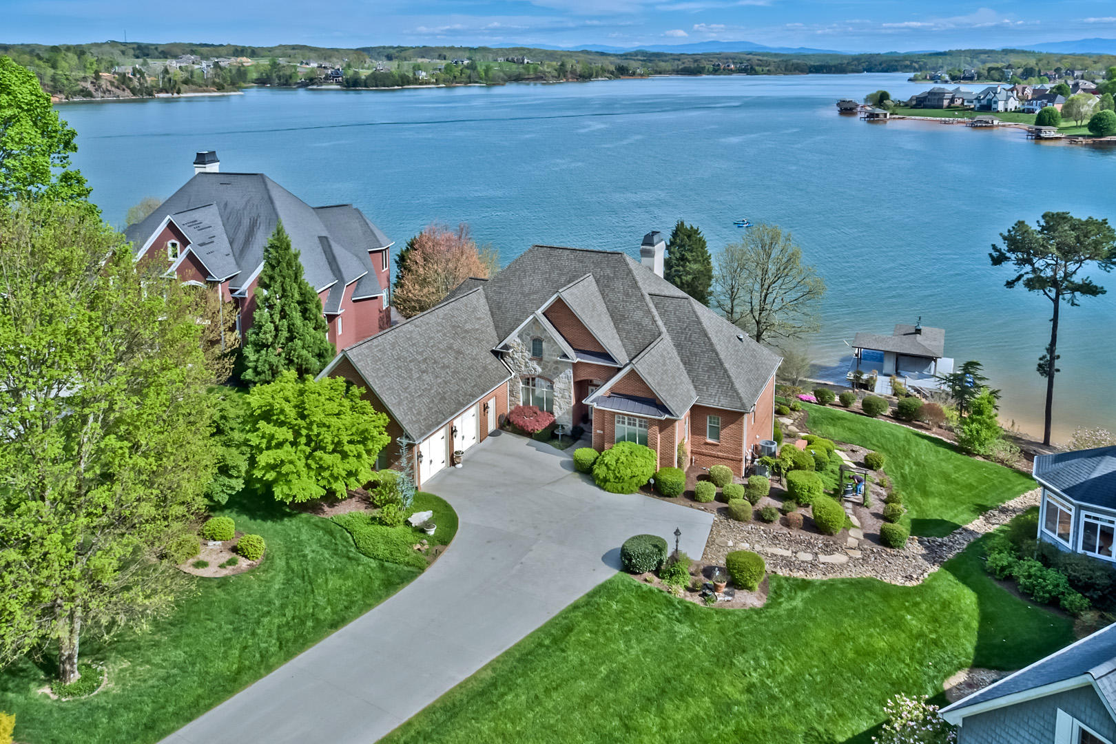 108 Coyatee Point Drive: