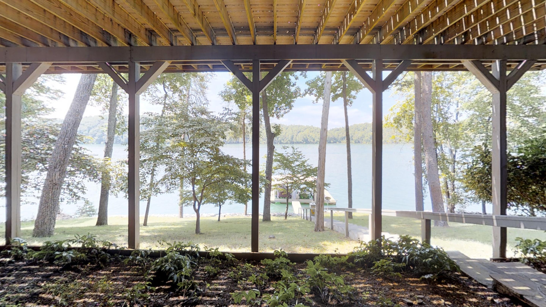 180 Cedar Creek Point: