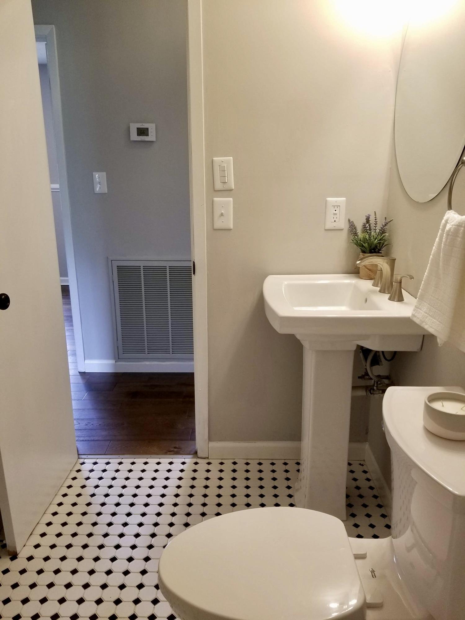 312 Blacksferry, Knoxville, Tennessee, United States 37931, 3 Bedrooms Bedrooms, ,1 BathroomBathrooms,Single Family,For Sale,Blacksferry,1114914
