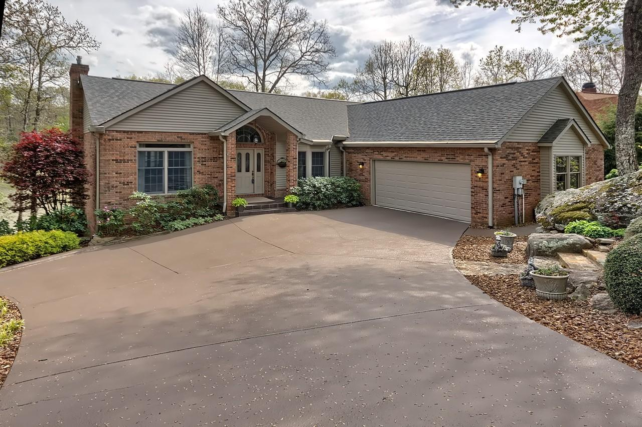 69 Quail Hollow Drive, Crossville, Tennessee 38555, 3 Bedrooms Bedrooms, ,2 BathroomsBathrooms,Single Family,For Sale,Quail Hollow,1115140