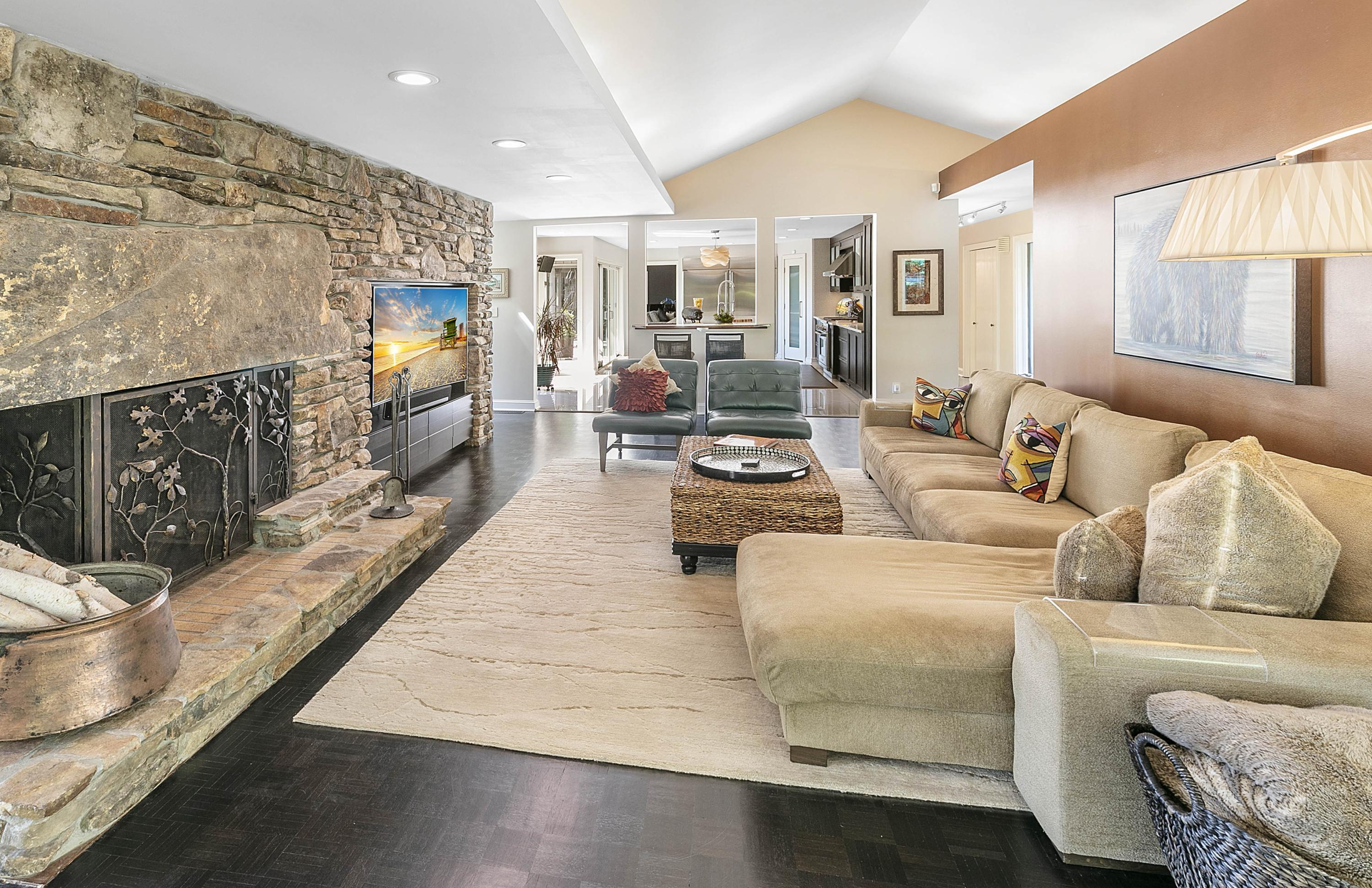 3940 Topside Rd: