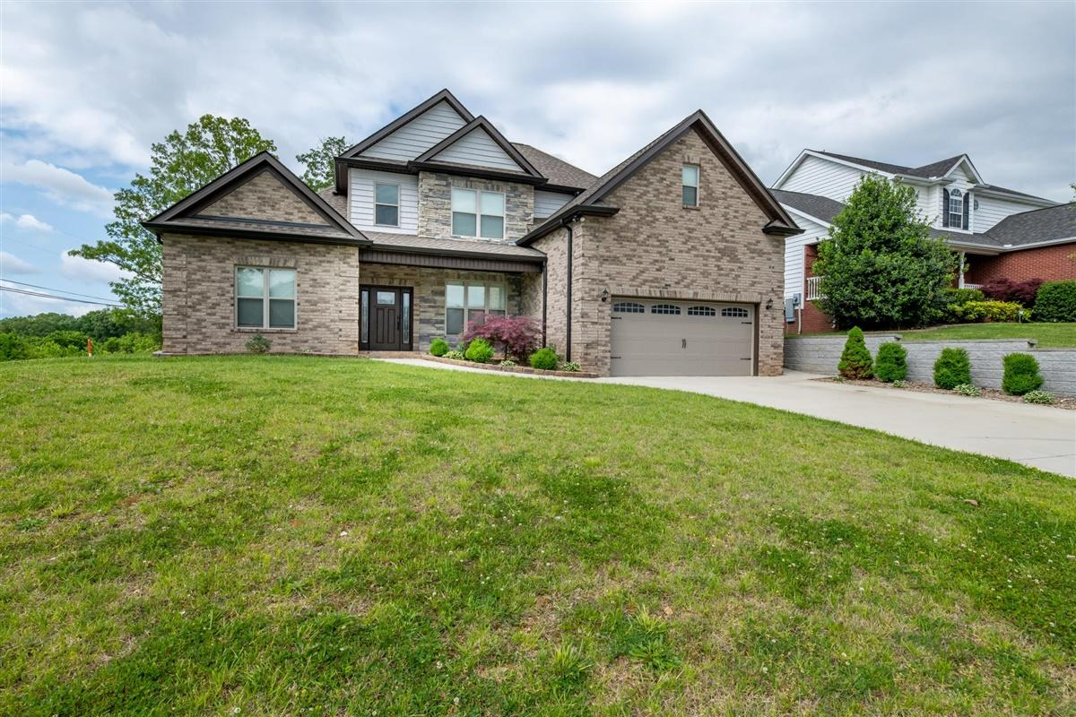 6001 Stratford Park Blvd, Knoxville, Tennessee 37912, 3 Bedrooms Bedrooms, ,2 BathroomsBathrooms,Single Family,For Sale,Stratford Park,1116359