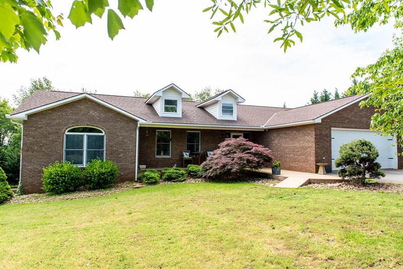 326 Leeper Overlook, Dandridge, Tennessee, United States 37725, 3 Bedrooms Bedrooms, ,2 BathroomsBathrooms,Single Family,For Sale,Leeper Overlook,1117286