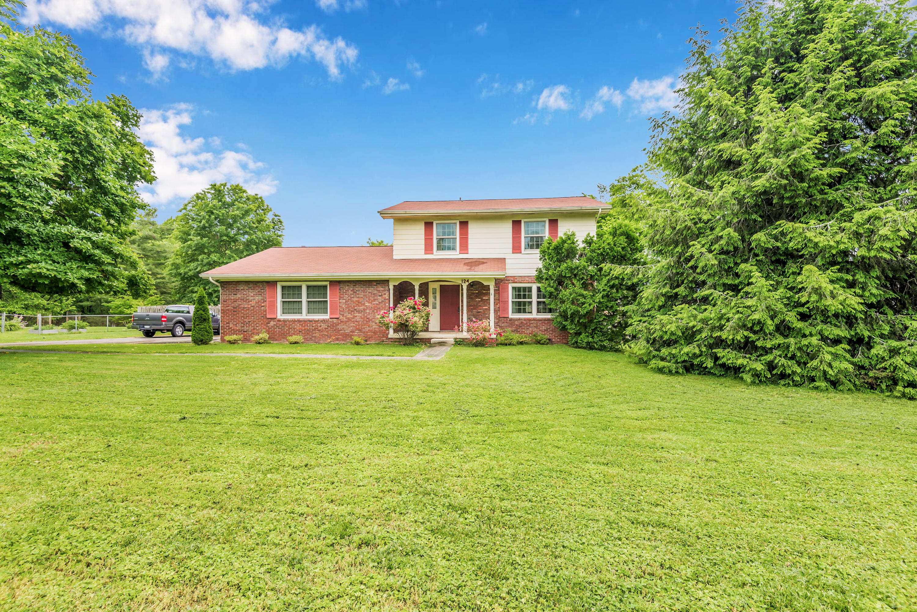 124 Clemson, Oak Ridge, Tennessee, United States 37830, 3 Bedrooms Bedrooms, ,2 BathroomsBathrooms,Single Family,For Sale,Clemson,1117658