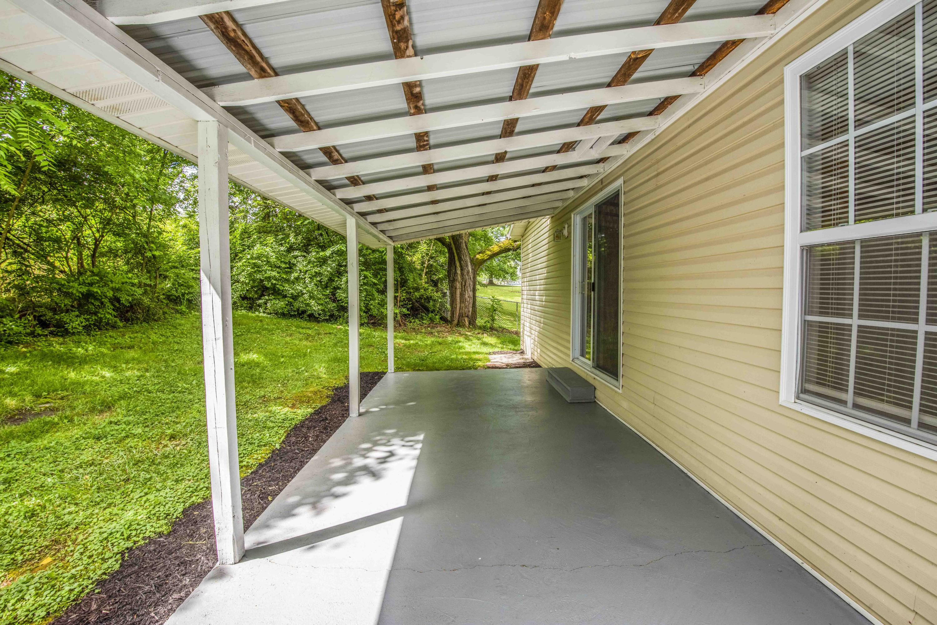 348 Oakdale, Maryville, Tennessee, United States 37801, 3 Bedrooms Bedrooms, ,2 BathroomsBathrooms,Single Family,For Sale,Oakdale,1116893