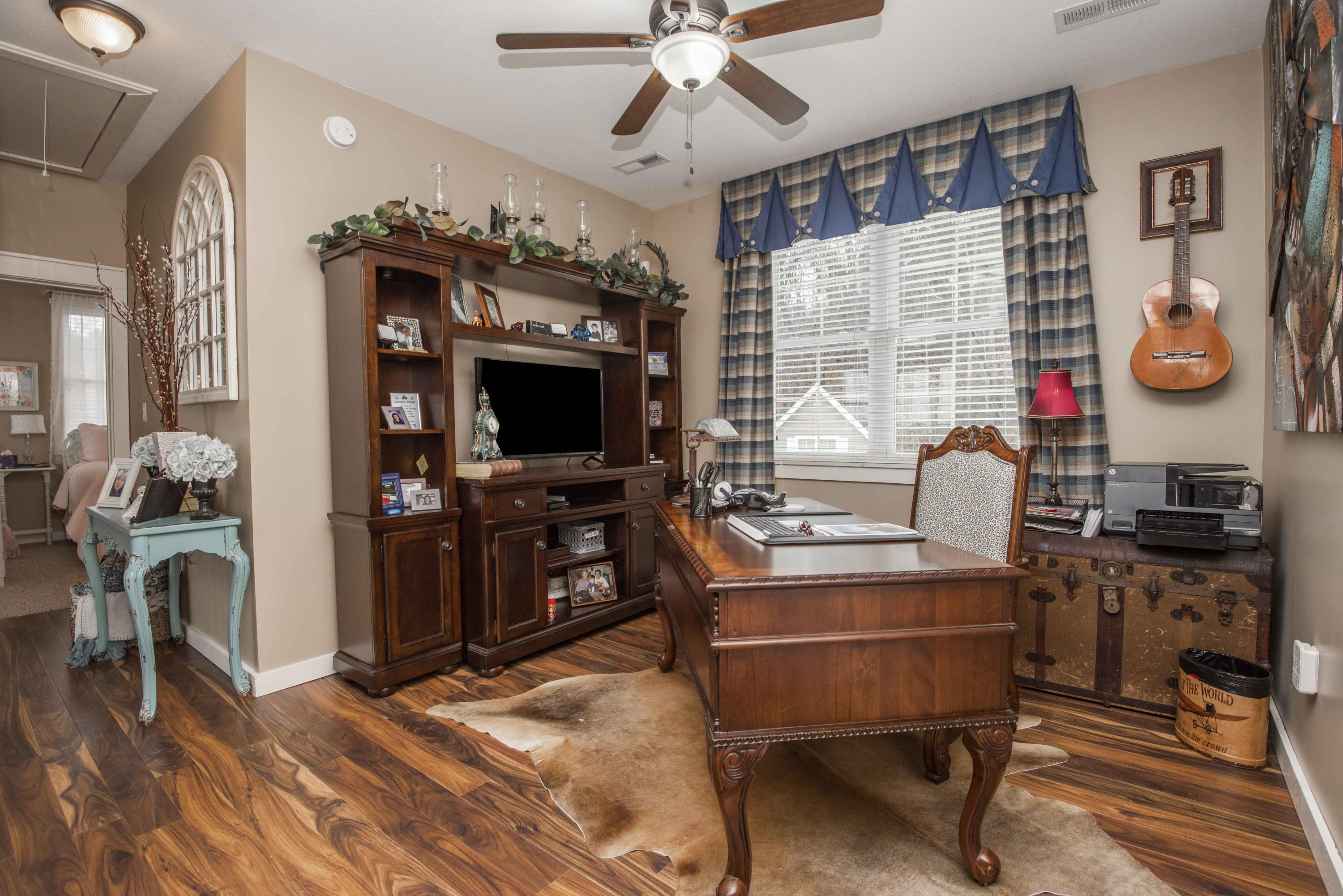 2410 Waterfront, Sevierville, Tennessee, United States 37876, 3 Bedrooms Bedrooms, ,3 BathroomsBathrooms,Single Family,For Sale,Waterfront,1119619