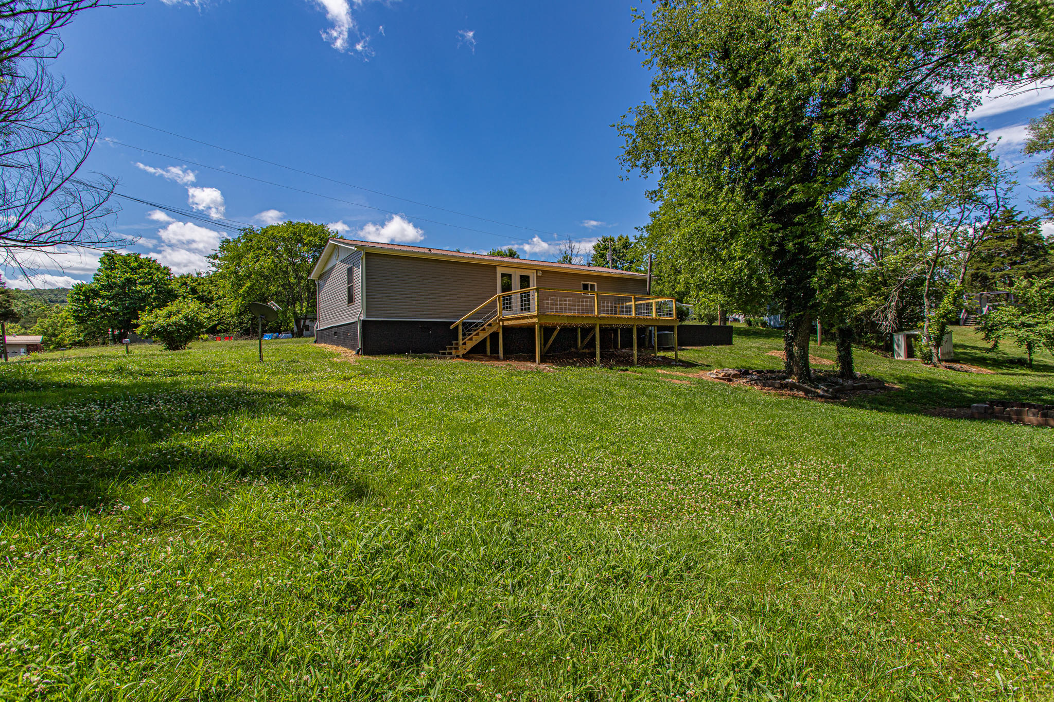 425 Brookside Lane, Kodak, Tennessee 37764, 3 Bedrooms Bedrooms, ,2 BathroomsBathrooms,Single Family,For Sale,Brookside,1119902