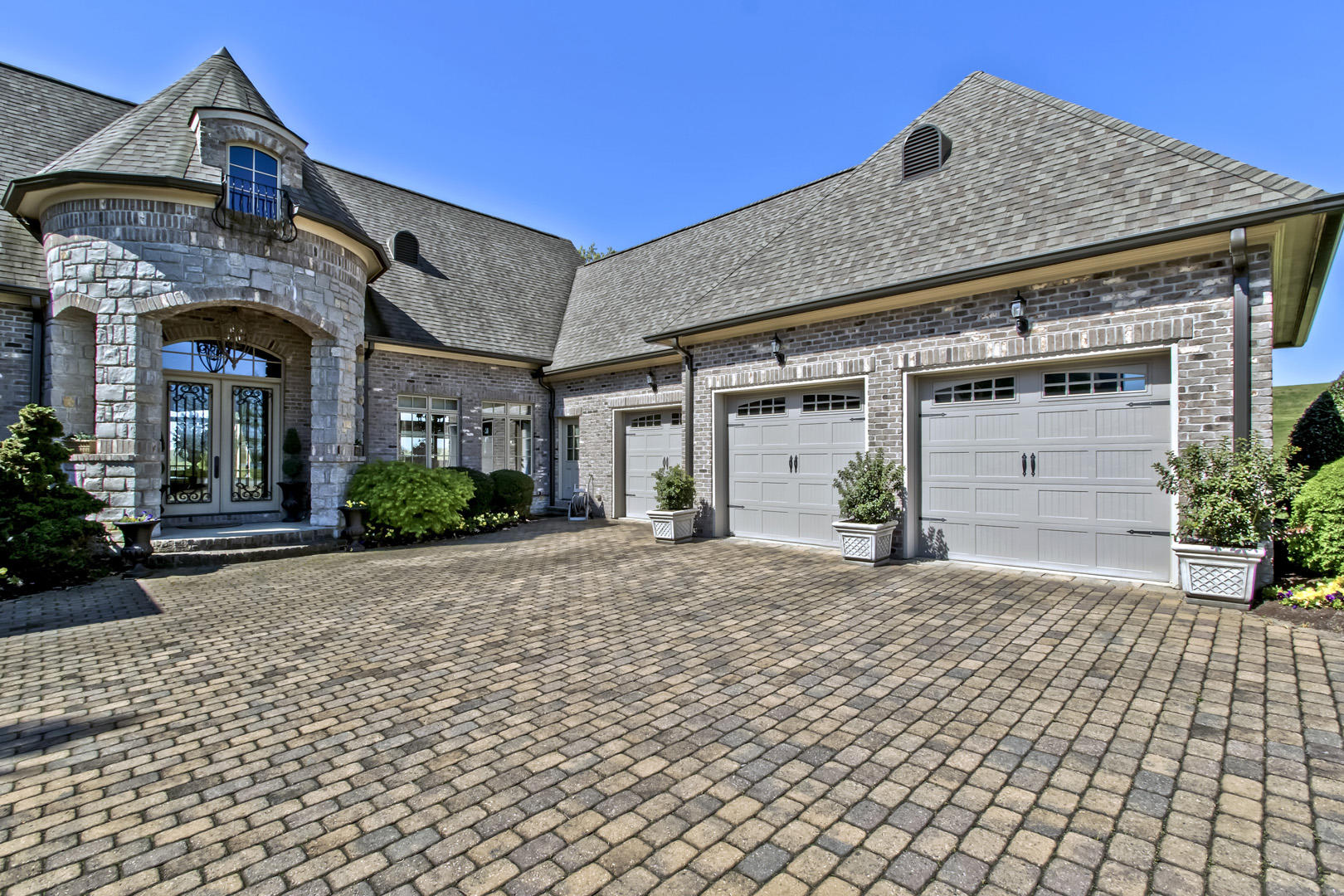 16793 Lighthouse Pointe Drive: