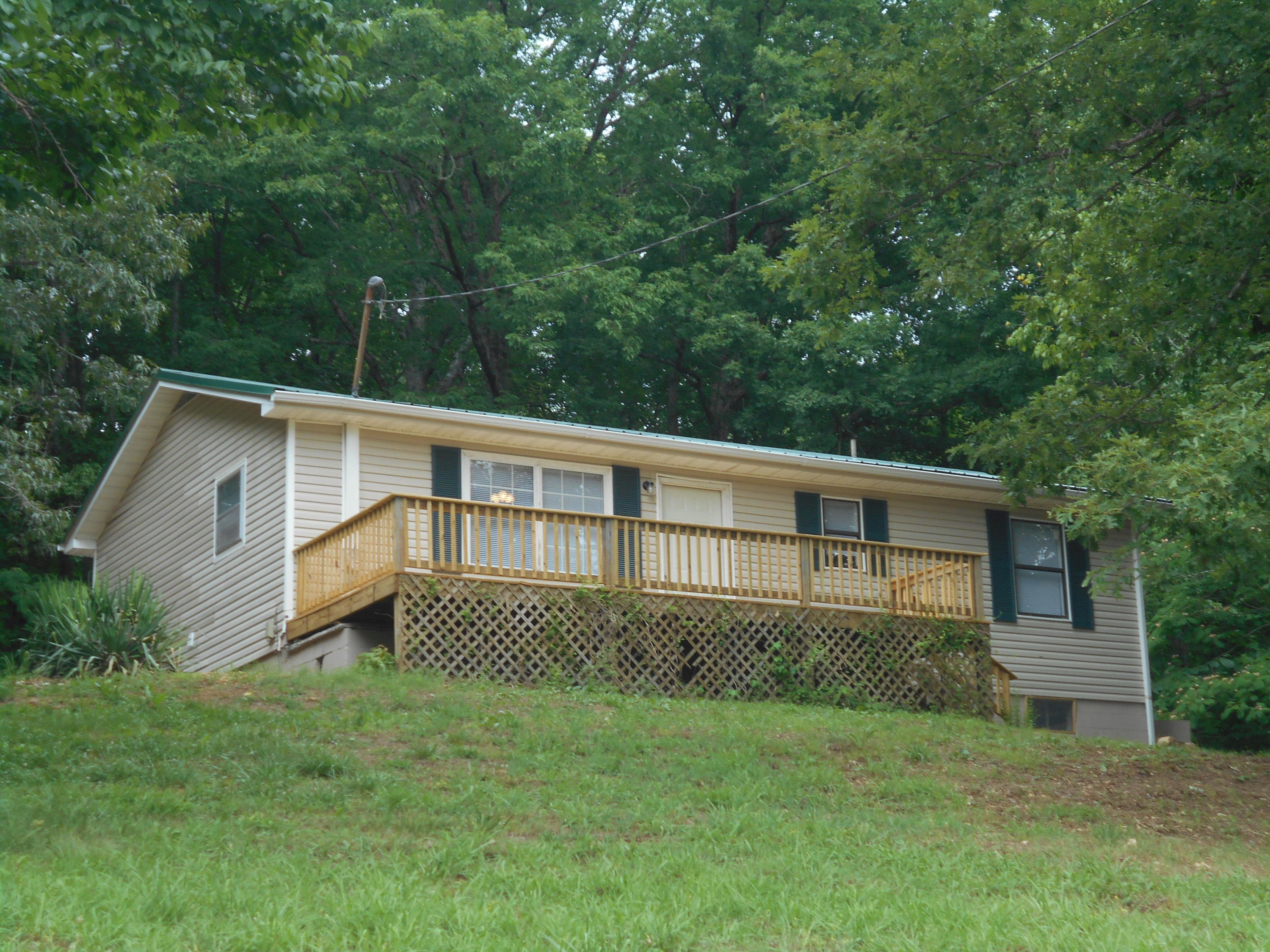 967 Swannsylvania, Dandridge, Tennessee, United States 37725, 3 Bedrooms Bedrooms, ,1 BathroomBathrooms,Single Family,For Sale,Swannsylvania,1120514