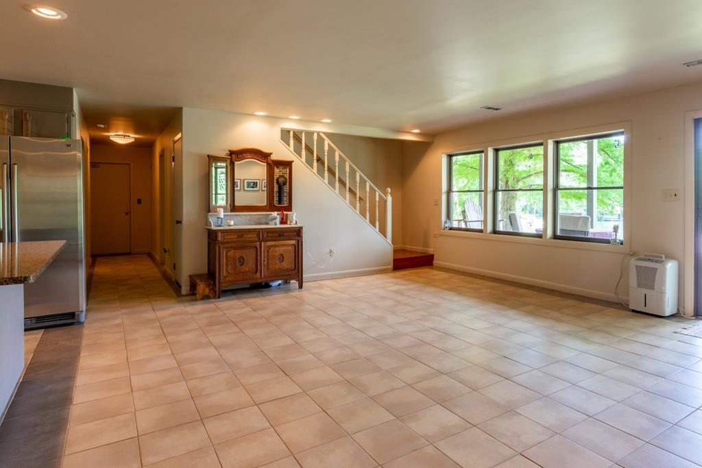 953 Ewing Rd, Spring City, Tennessee 37381, 4 Bedrooms Bedrooms, ,3 BathroomsBathrooms,Single Family,For Sale,Ewing,1121596
