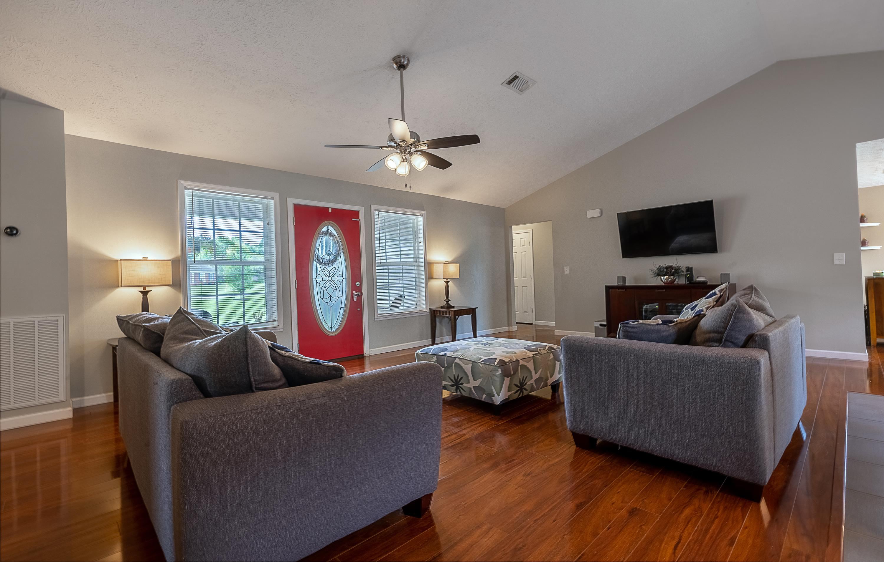 542 Academy, Seymour, Tennessee, United States 37865, 3 Bedrooms Bedrooms, ,3 BathroomsBathrooms,Single Family,For Sale,Academy,1121795