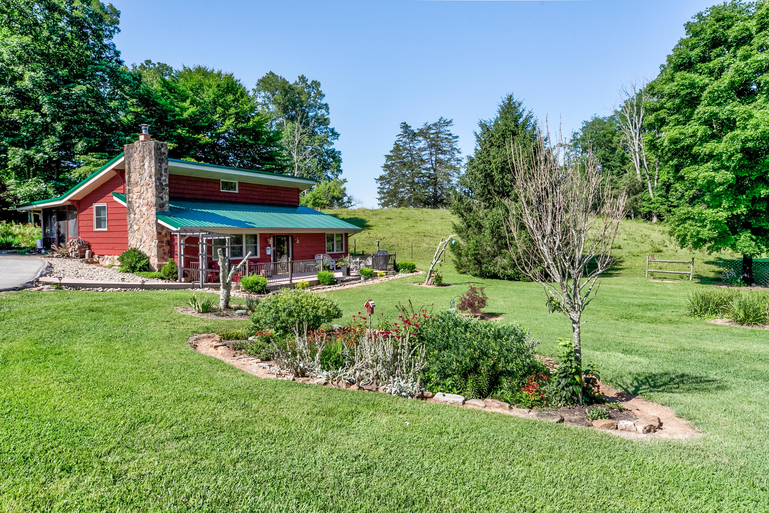 677 Fincastle, LaFollette, Tennessee, United States 37766, 2 Bedrooms Bedrooms, ,1 BathroomBathrooms,Single Family,For Sale,Fincastle,1122210
