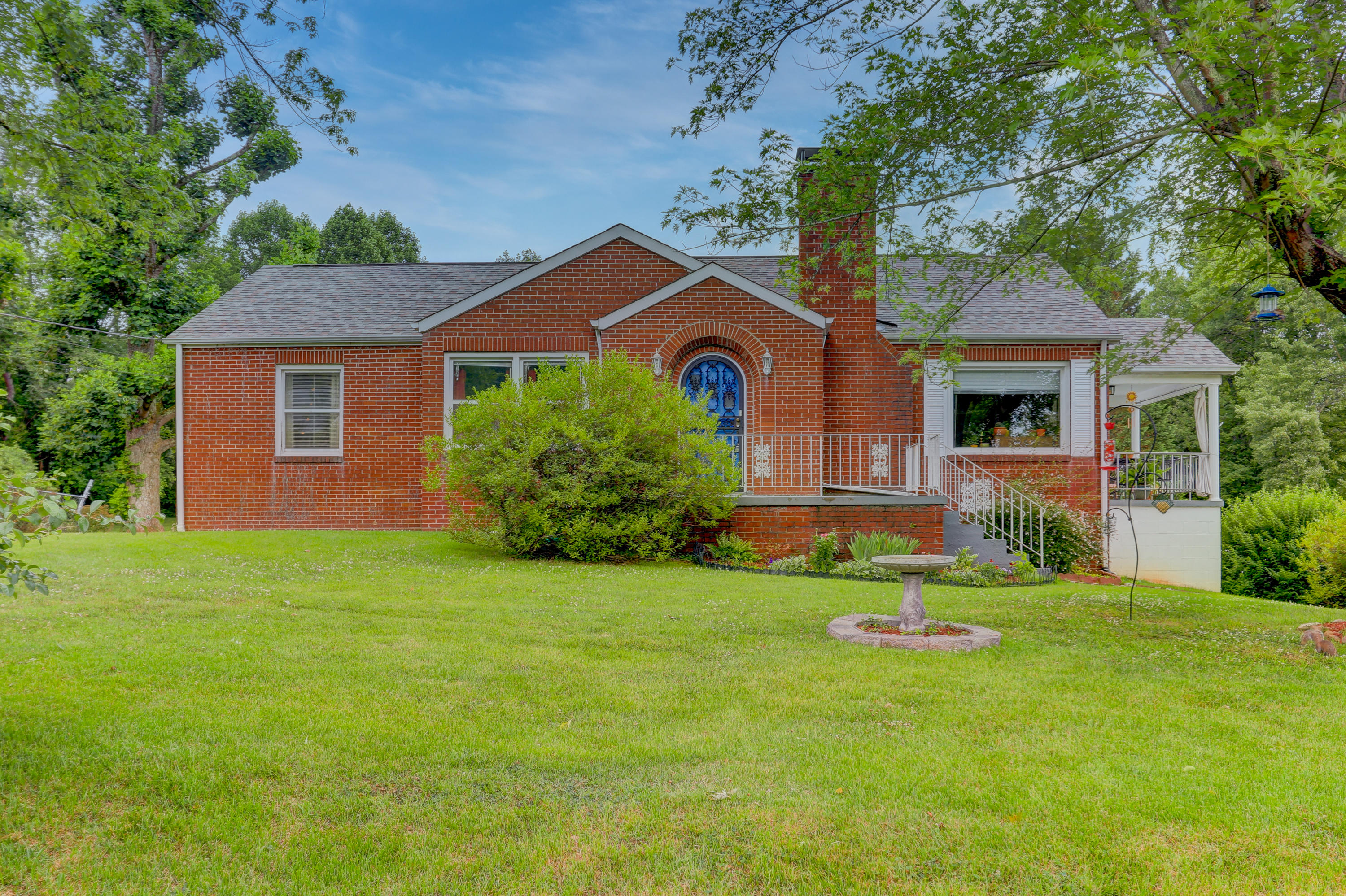 2919 Knox, Knoxville, Tennessee, United States 37917, 3 Bedrooms Bedrooms, ,1 BathroomBathrooms,Single Family,For Sale,Knox,1122383