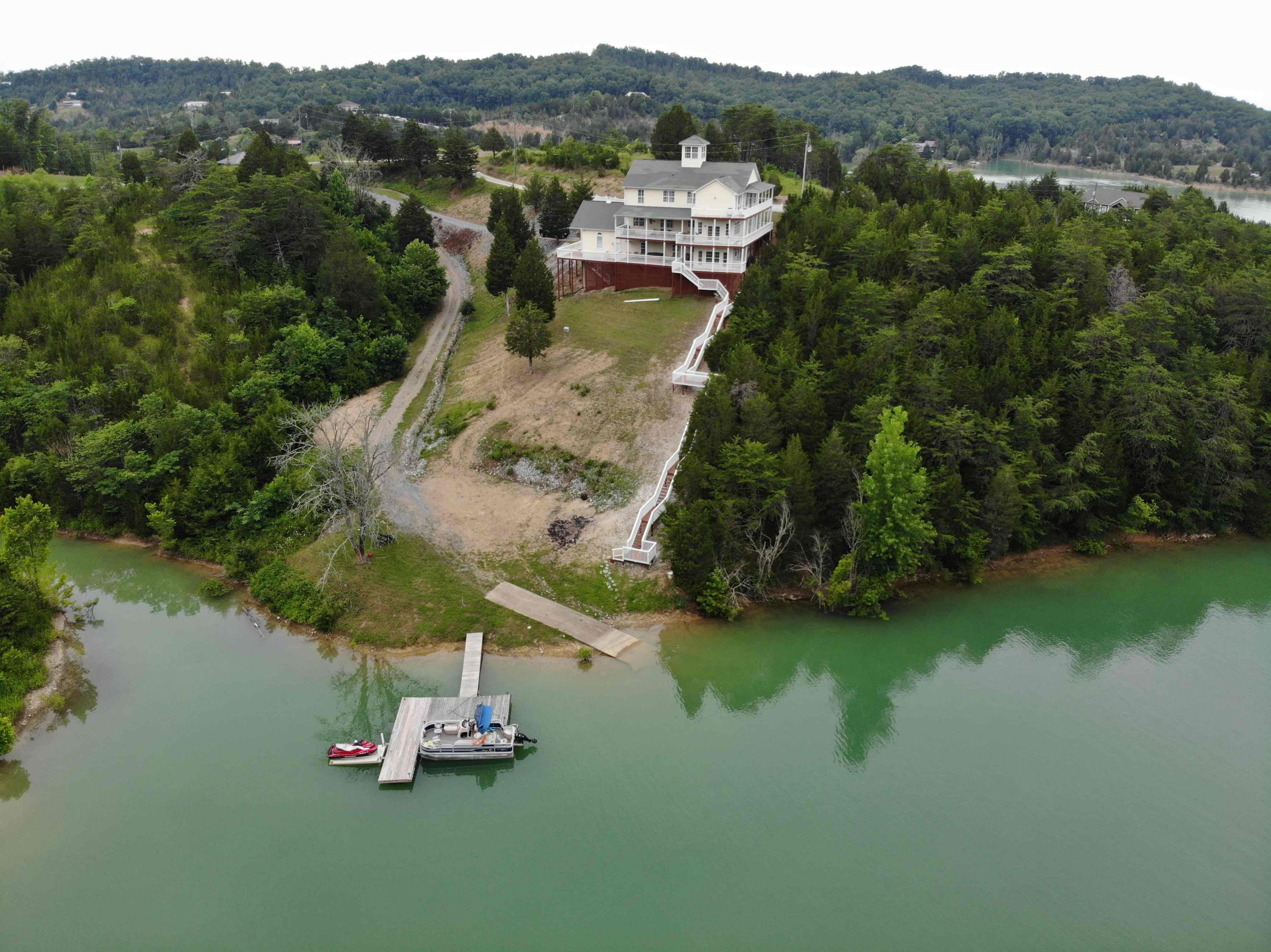 1092 Harbor Point Drive, Sevierville, Tennessee, United States 37876, 3 Bedrooms Bedrooms, ,6 BathroomsBathrooms,Single Family,For Sale,Harbor Point Drive,1122359