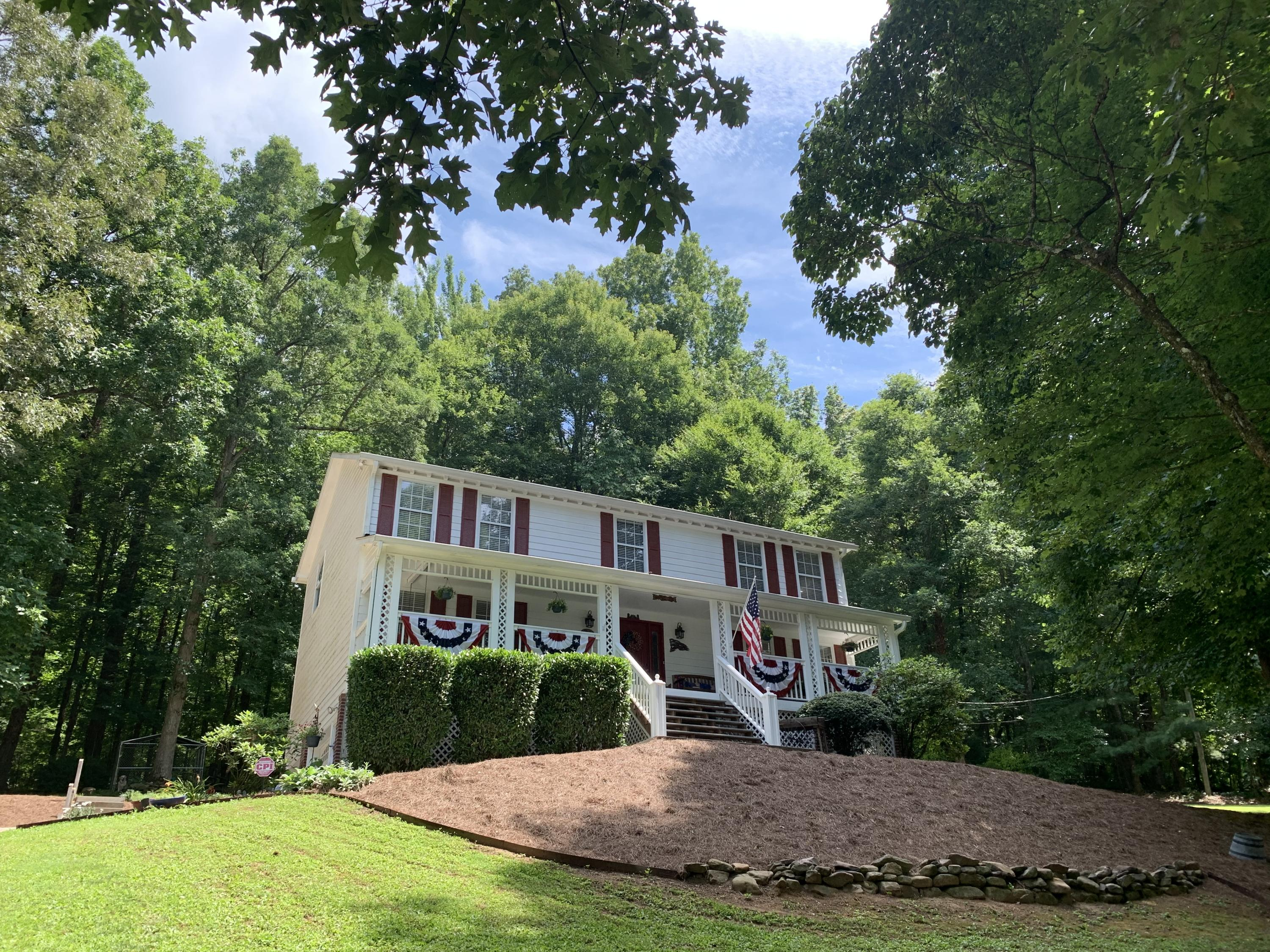 12314 Daisywood, Knoxville, Tennessee, United States 37932, 4 Bedrooms Bedrooms, ,2 BathroomsBathrooms,Single Family,For Sale,Daisywood,1122370