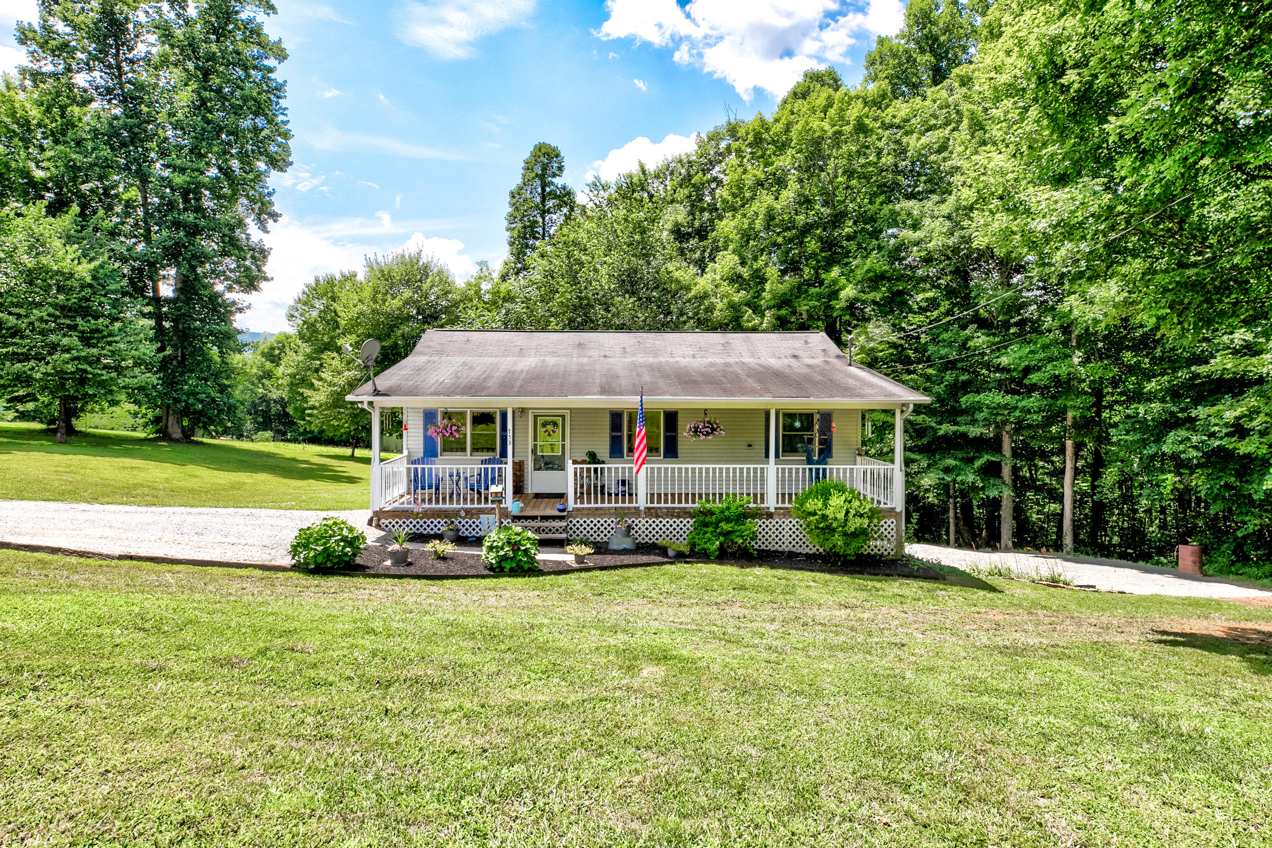 753 Pine Hollow, Jacksboro, Tennessee, United States 37757, 3 Bedrooms Bedrooms, ,2 BathroomsBathrooms,Single Family,For Sale,Pine Hollow,1122366