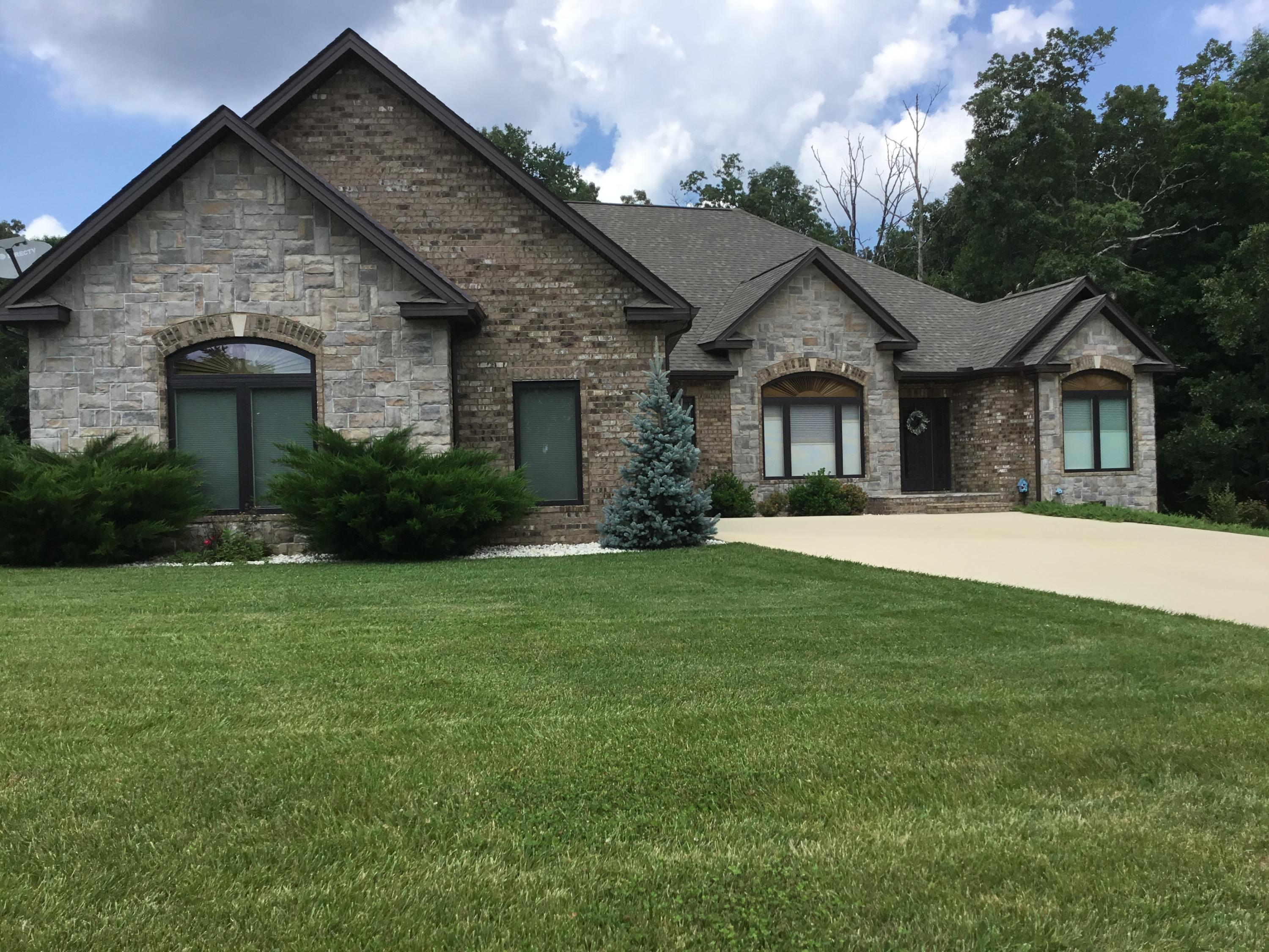 107 Tomlon, Crossville, Tennessee, United States 38555, 3 Bedrooms Bedrooms, ,2 BathroomsBathrooms,Single Family,For Sale,Tomlon,1122448