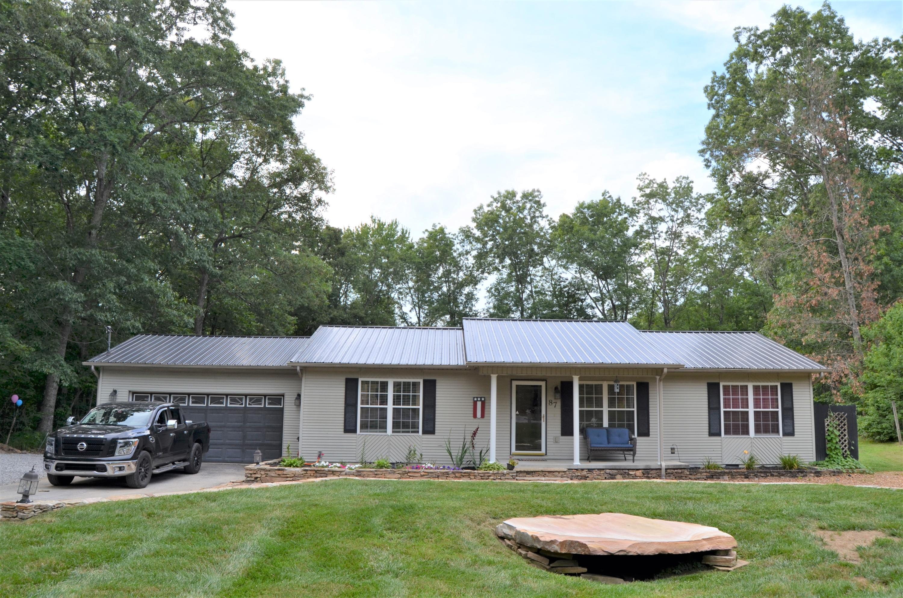 87 Spear, Crossville, Tennessee, United States 38555, 3 Bedrooms Bedrooms, ,2 BathroomsBathrooms,Single Family,For Sale,Spear,1122477