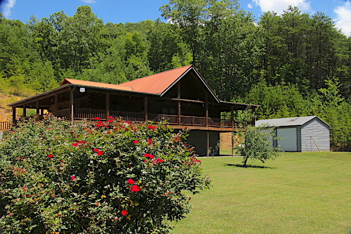 735 Beatys Chapel Rd, Tellico Plains, Tennessee, United States 37385, 3 Bedrooms Bedrooms, ,2 BathroomsBathrooms,Single Family,For Sale,Beatys Chapel Rd,1125435