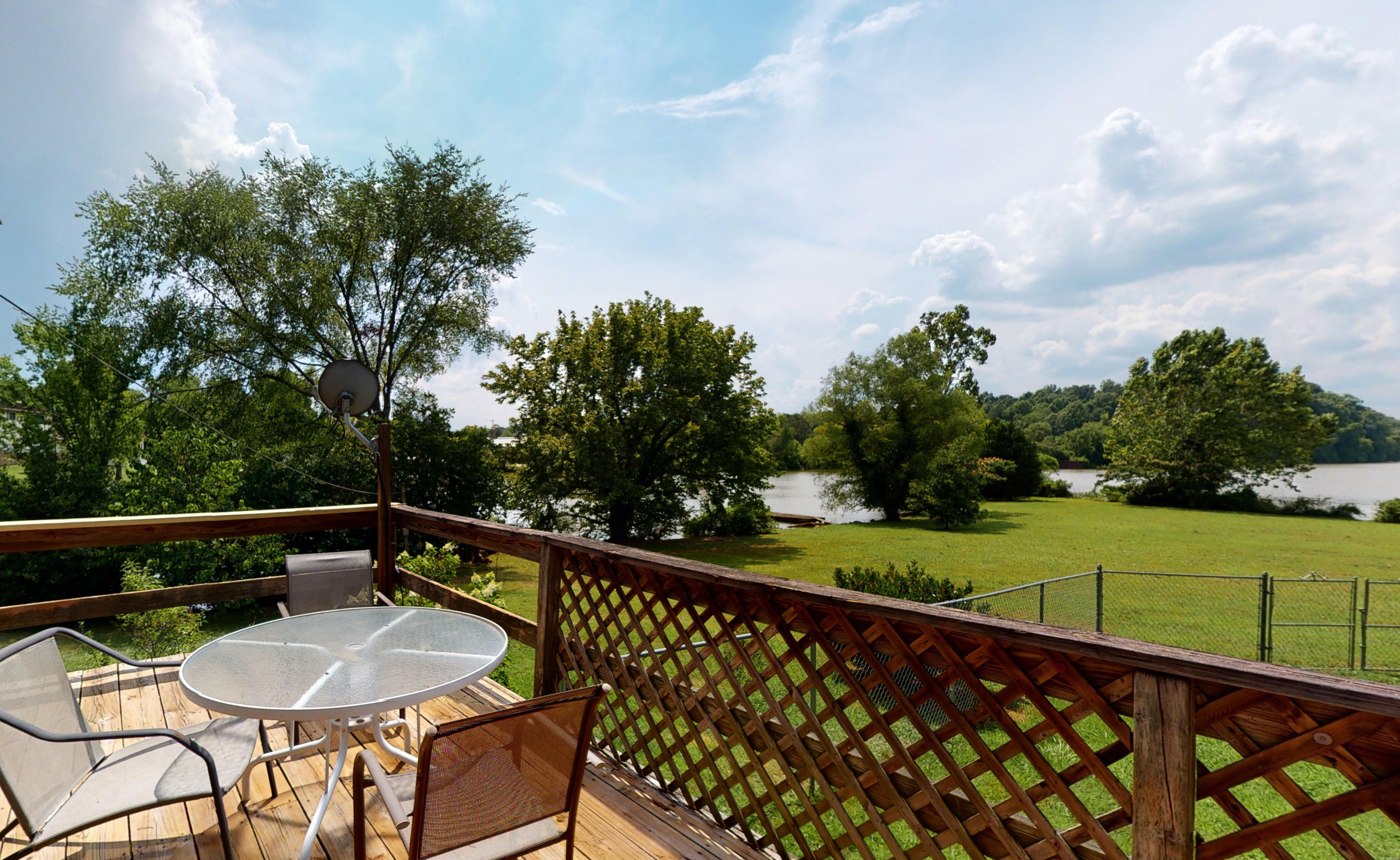 4809 Riversedge Rd: