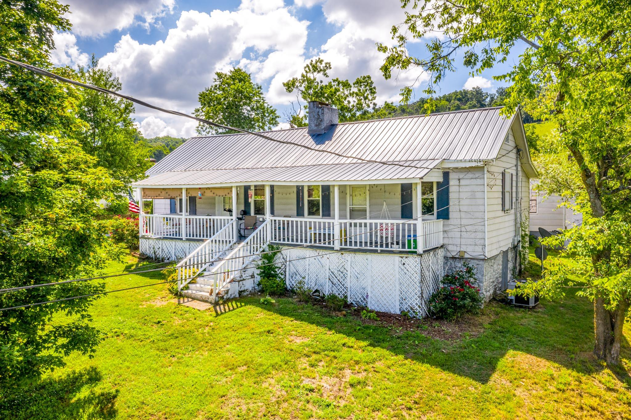 977 Old Knoxville, Greeneville, Tennessee, United States 37743, 2 Bedrooms Bedrooms, ,2 BathroomsBathrooms,Single Family,For Sale,Old Knoxville,1122916