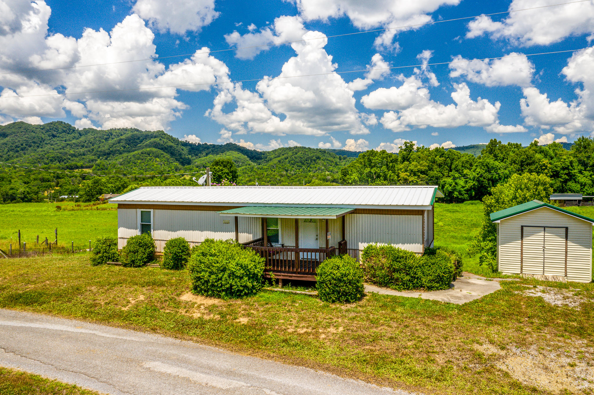 139 Bean, Mooresburg, Tennessee, United States 37811, 3 Bedrooms Bedrooms, ,1 BathroomBathrooms,Single Family,For Sale,Bean,1122918