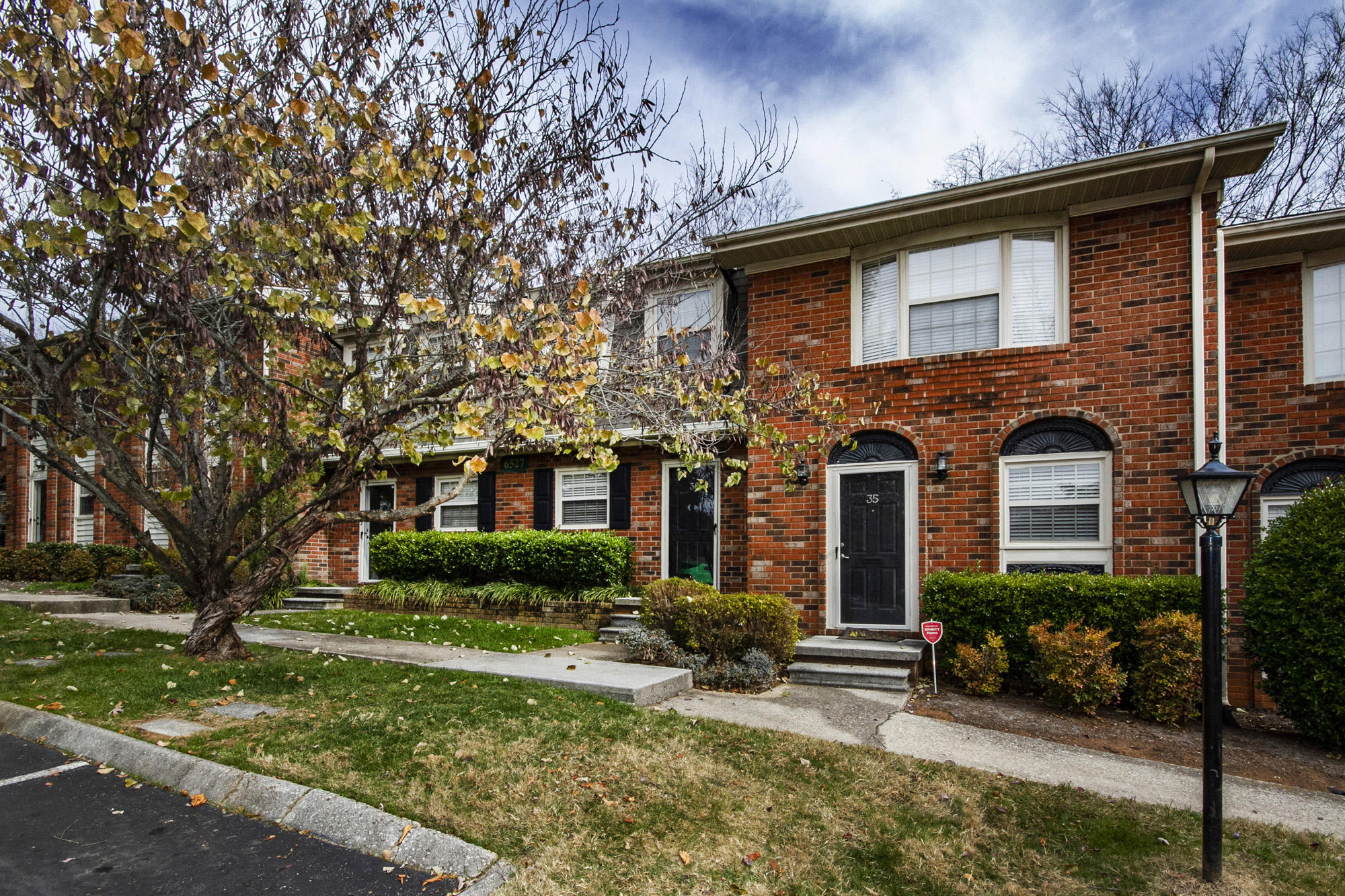 6527 Deane Hill, Knoxville, Tennessee, United States 37919, 2 Bedrooms Bedrooms, ,1 BathroomBathrooms,Rental,For Sale,Deane Hill,1122934