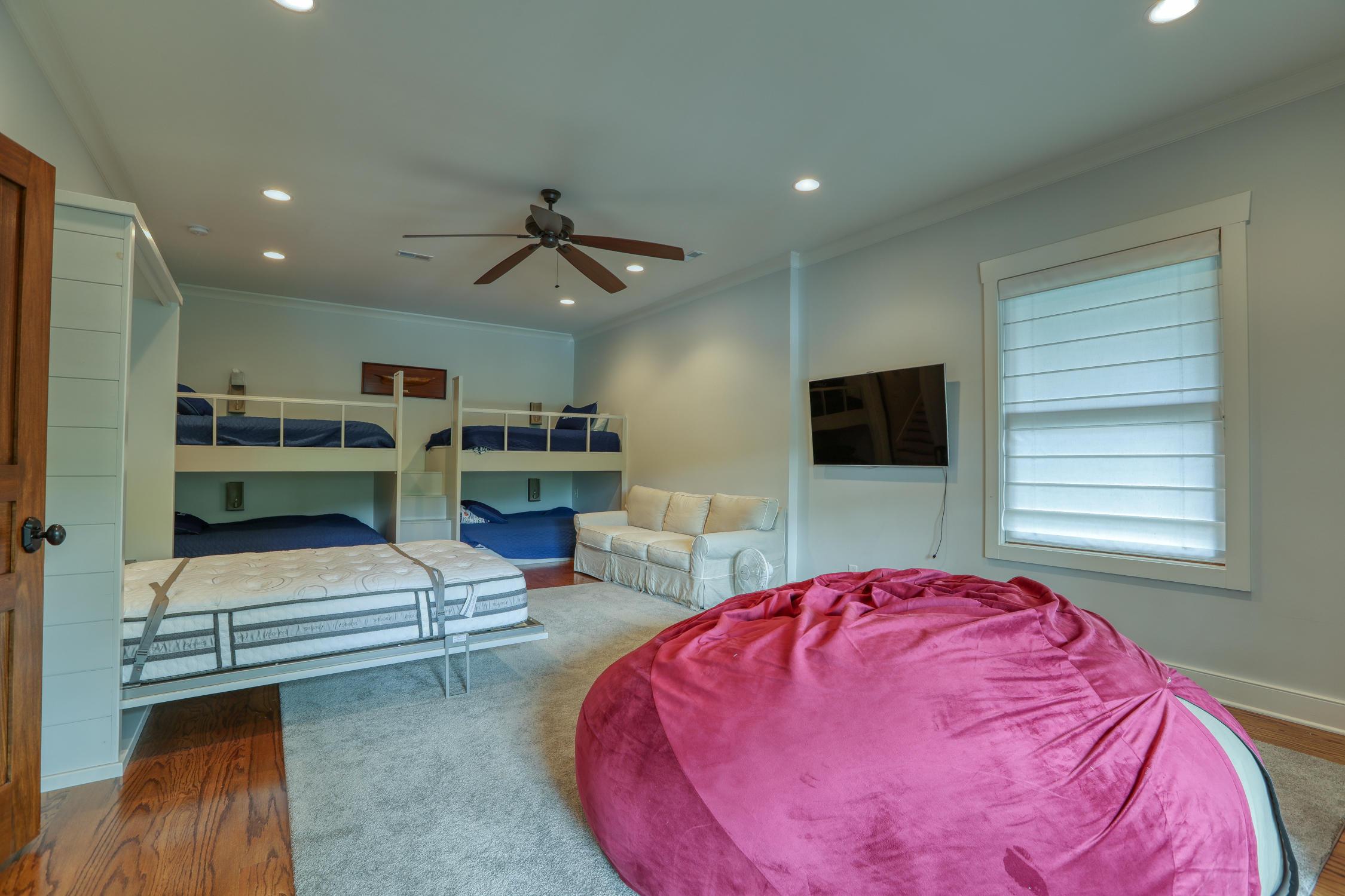 219 Yacht Club Lane: