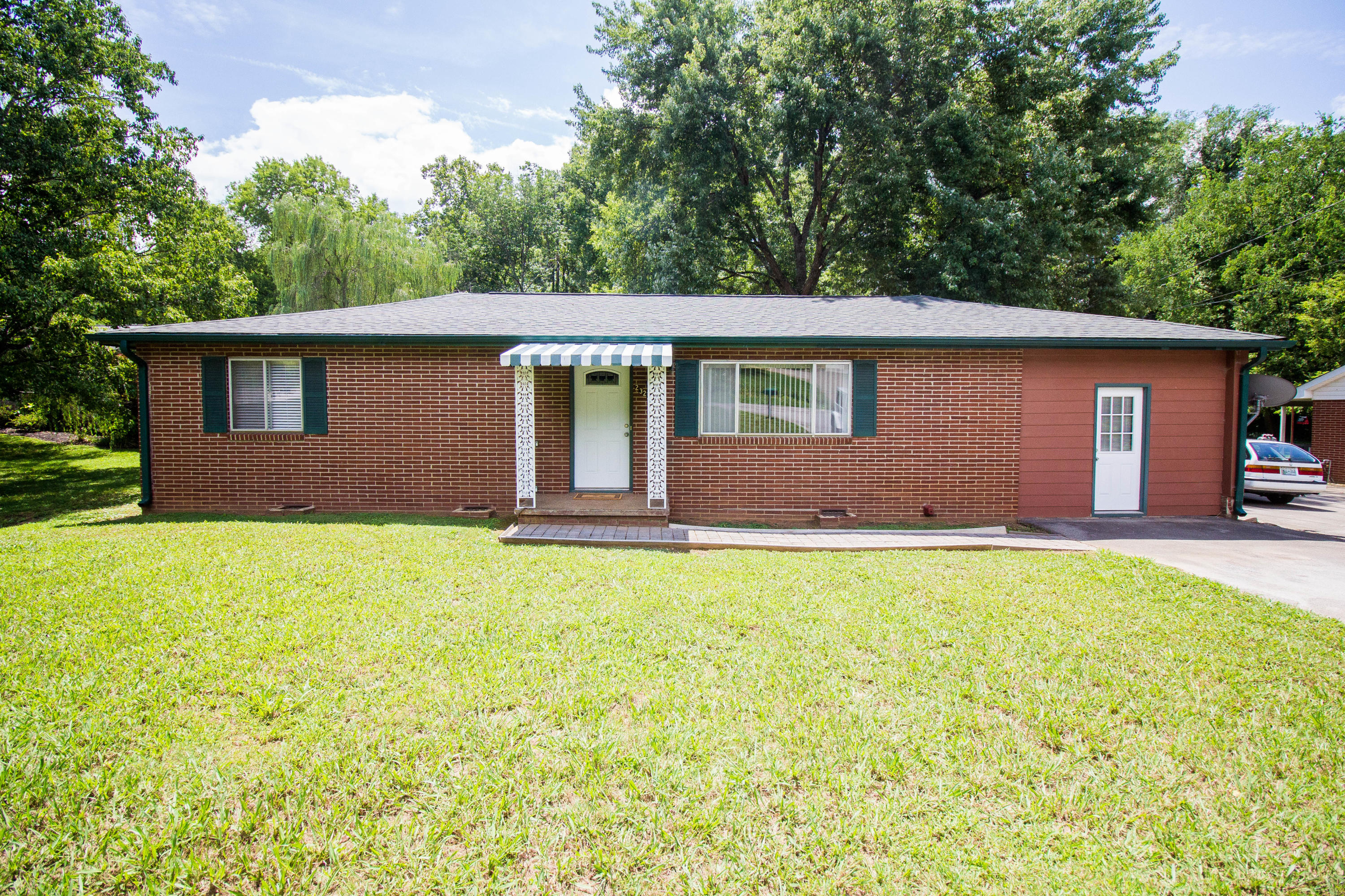 2322 Patrick, Maryville, Tennessee, United States 37804, 3 Bedrooms Bedrooms, ,1 BathroomBathrooms,Single Family,For Sale,Patrick,1124185