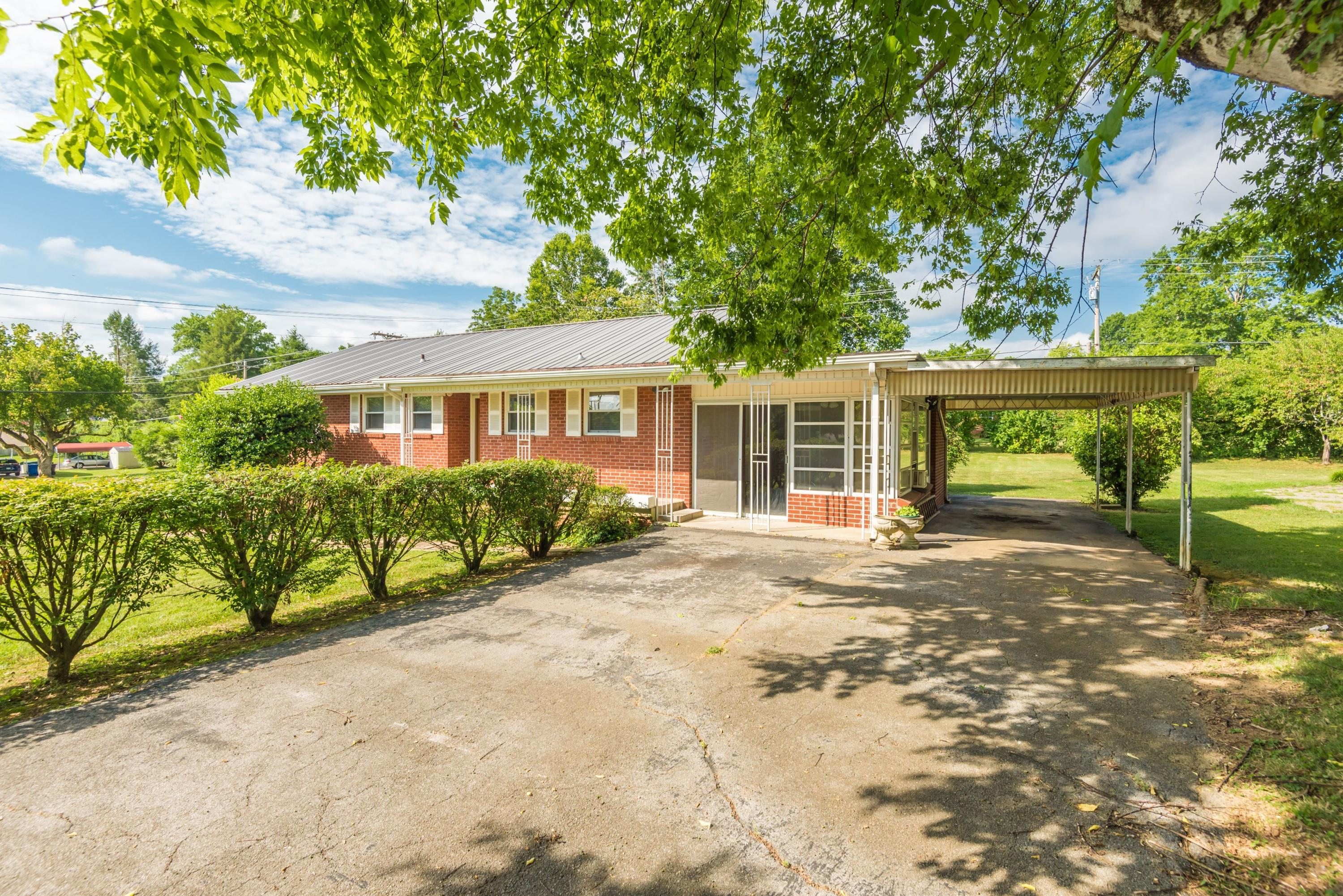 1709 Ramsay, Alcoa, Tennessee, United States 37701, 3 Bedrooms Bedrooms, ,1 BathroomBathrooms,Single Family,For Sale,Ramsay,1125335