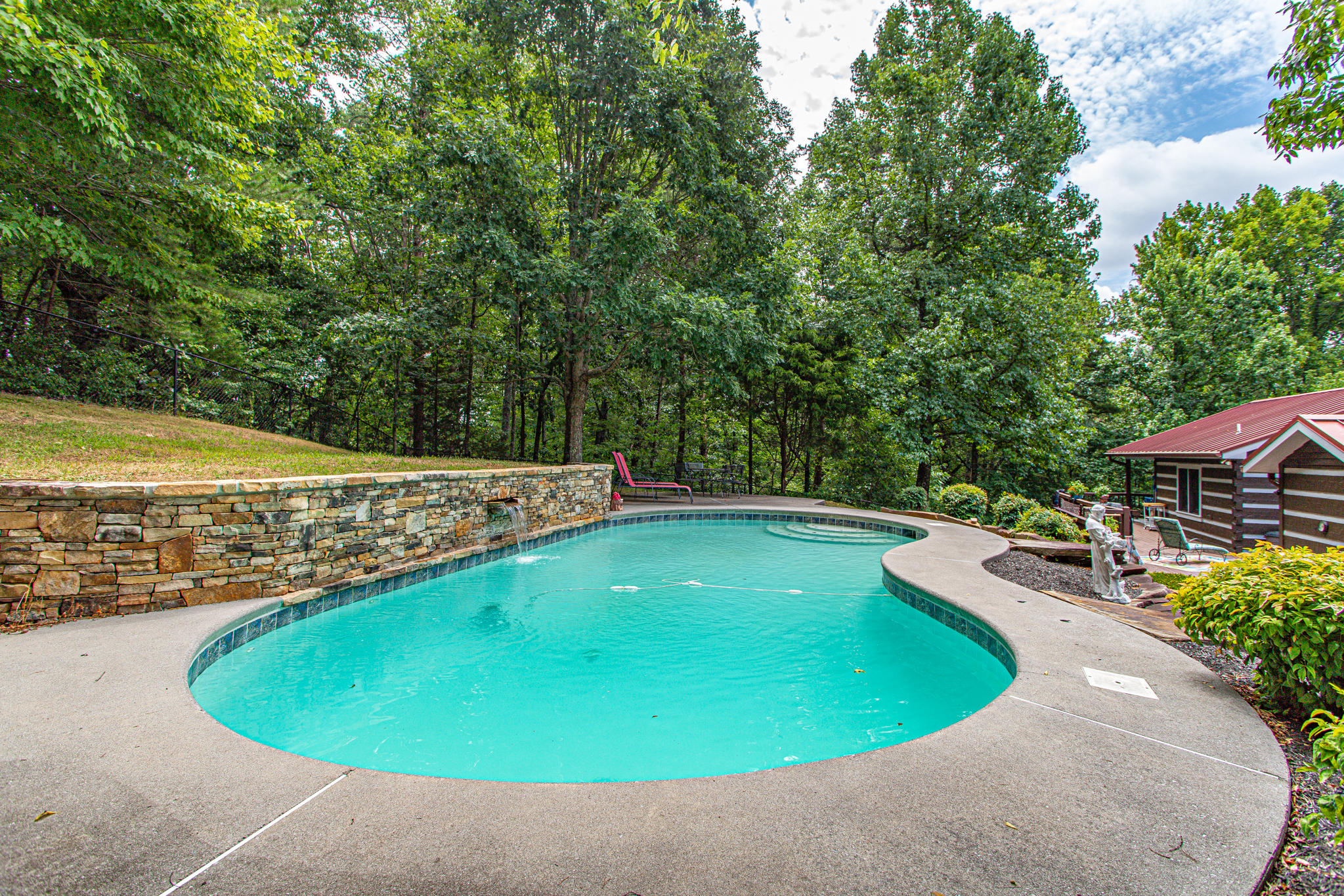 2004 Thompson, Knoxville, Tennessee, United States 37932, 3 Bedrooms Bedrooms, ,3 BathroomsBathrooms,Single Family,For Sale,Thompson,1125201