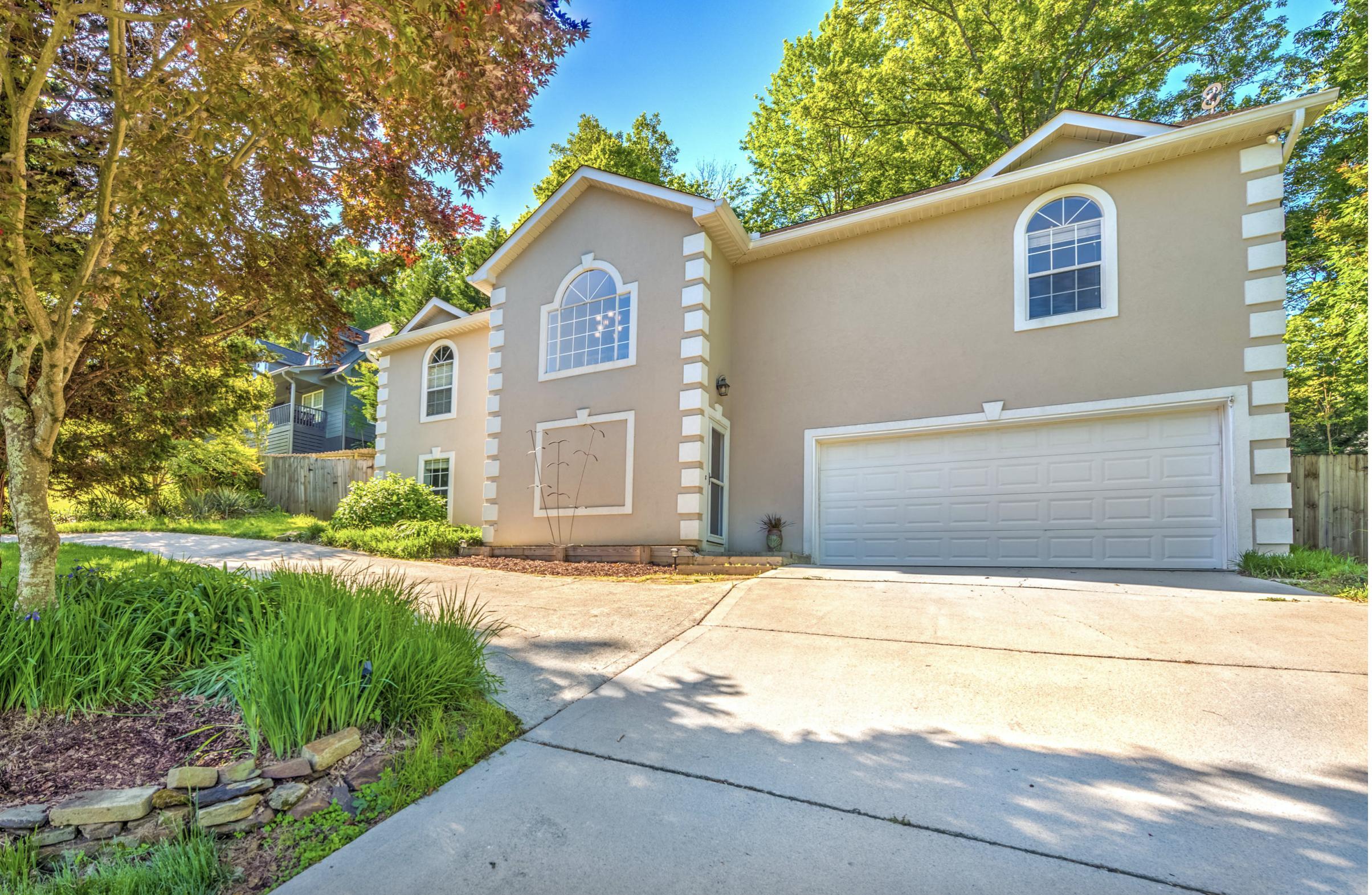 9932 Sierra Vista, Knoxville, Tennessee, United States 37922, 3 Bedrooms Bedrooms, ,3 BathroomsBathrooms,Single Family,For Sale,Sierra Vista,1125253