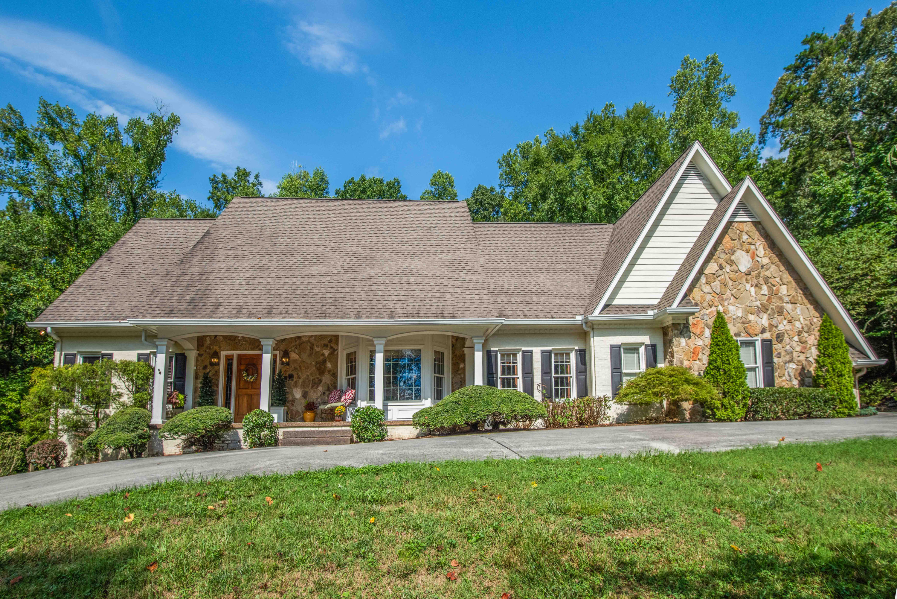 935 Timber Ridge, Lenoir City, Tennessee, United States 37771, 4 Bedrooms Bedrooms, ,3 BathroomsBathrooms,Single Family,For Sale,Timber Ridge,1125437