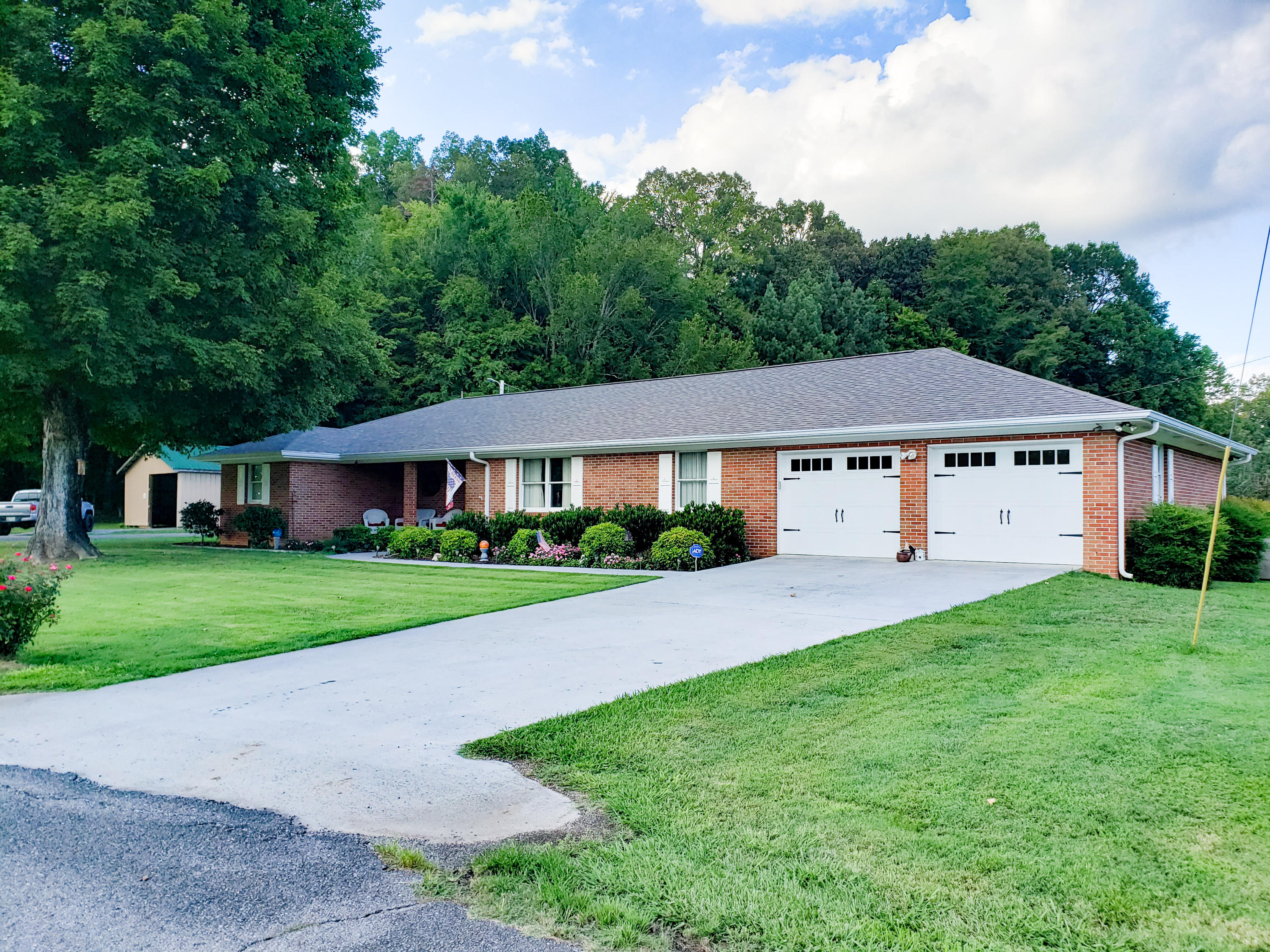 2115 Old 68 Highway, Ten Mile, Tennessee, United States 37880, 2 Bedrooms Bedrooms, ,3 BathroomsBathrooms,Single Family,For Sale,Old 68 Highway,1125513