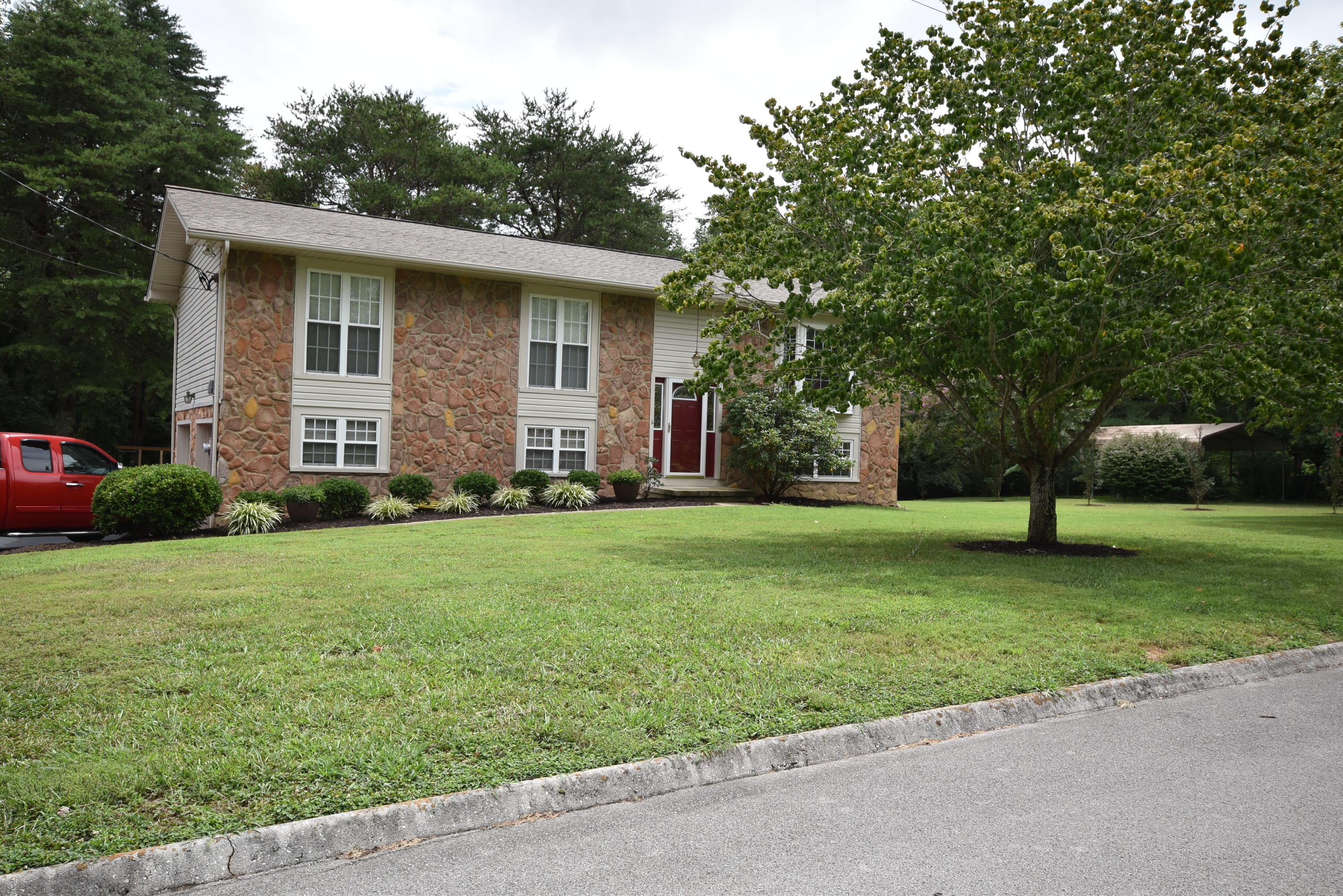 407 Belmont Park, Seymour, Tennessee, United States 37865, 3 Bedrooms Bedrooms, ,2 BathroomsBathrooms,Single Family,For Sale,Belmont Park,1125476