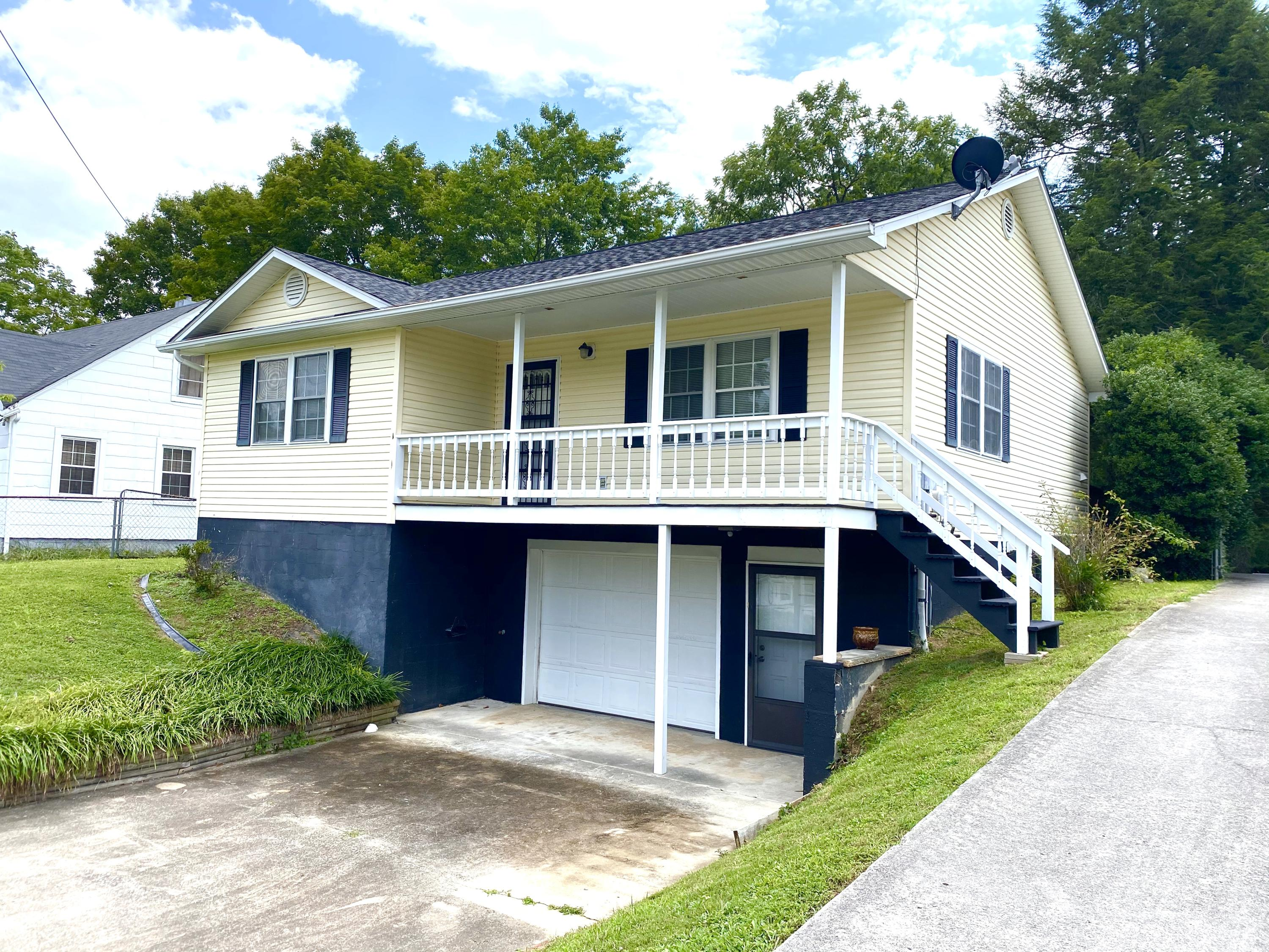 440 Patton, Rockwood, Tennessee, United States 37854, 2 Bedrooms Bedrooms, ,2 BathroomsBathrooms,Single Family,For Sale,Patton,1125608
