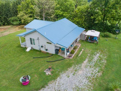 1400 Pinetop Rd, Lenoir City, Tennessee 37772, 3 Bedrooms Bedrooms, ,2 BathroomsBathrooms,Single Family,For Sale,Pinetop,1125623